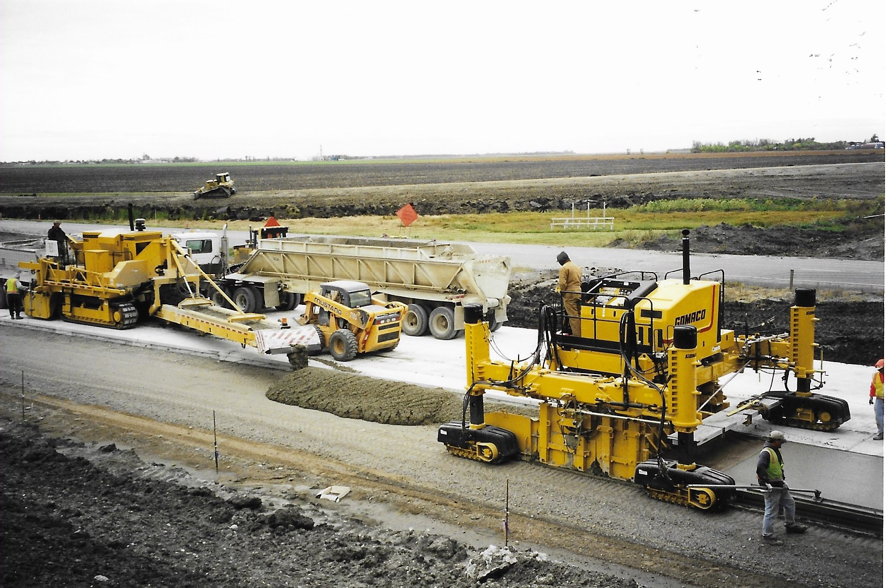 A Diversified Midwest Heavy Highway   CONSTRUCTION CO.    ABOUT US