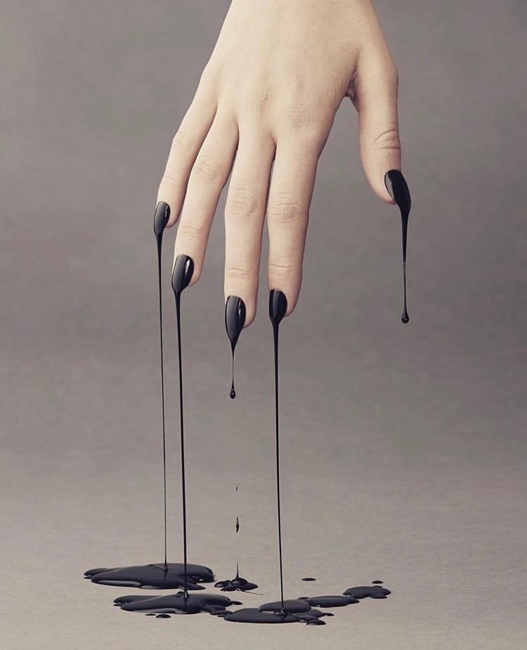 Black dripping nailsIMG_3326.jpg