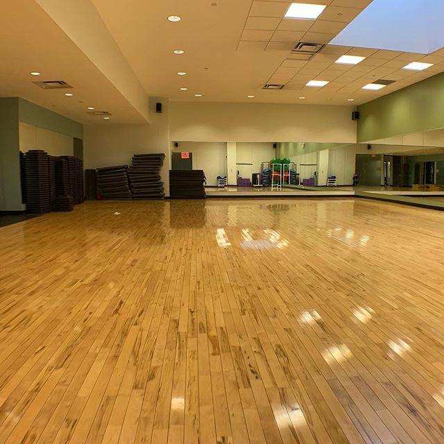 Rise and SHINE ☀️ #instafit #torontofitness #studioforrent #fitnessstudio #fitnessentrepreneur #torontopersonaltrainer #personaltrainer #yogastudio #dancewithus #fitnessfriday
