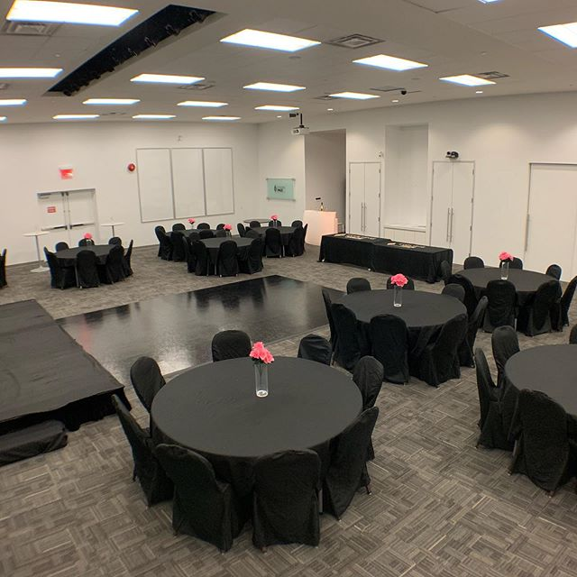 Madison Springs Conference Centre 😍 Perfect for any event! It truly is a space for every need ❤️ #torontoevents #torontoeventvenue #bookwithus #privateparties #corporateevents #torontoeventspace #scarboroughevents #dancefloor #lightupbar #makeastatement #birthdayparties #bridalshower #bridalshowertoronto