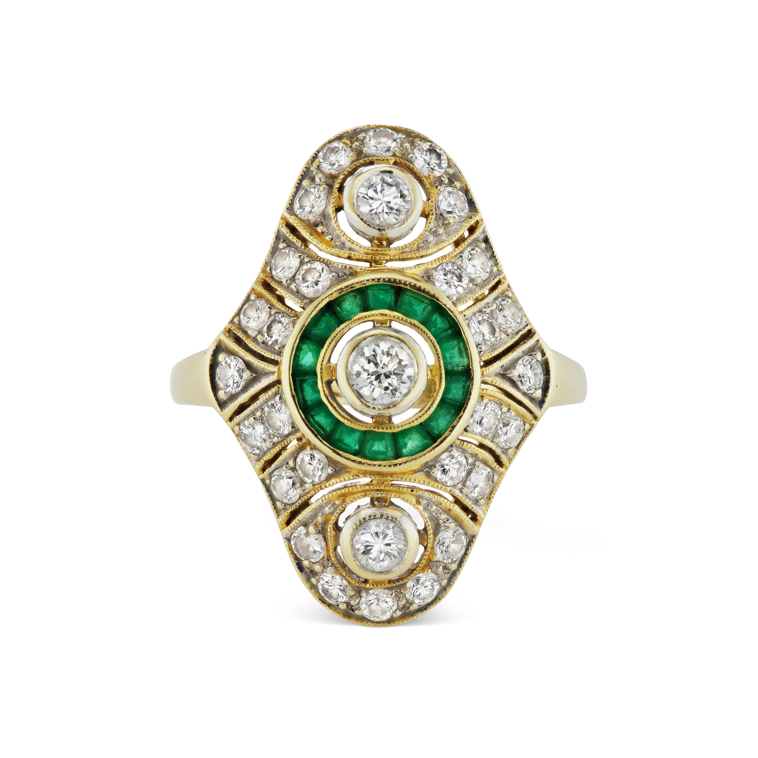 Antique-inspired diamond and emerald ring, mounted in yellow gold.