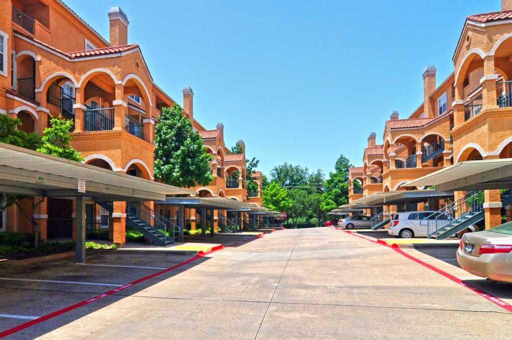 La Costa Villas   Dallas, TX | Units: 260 | Garden | 3 Story