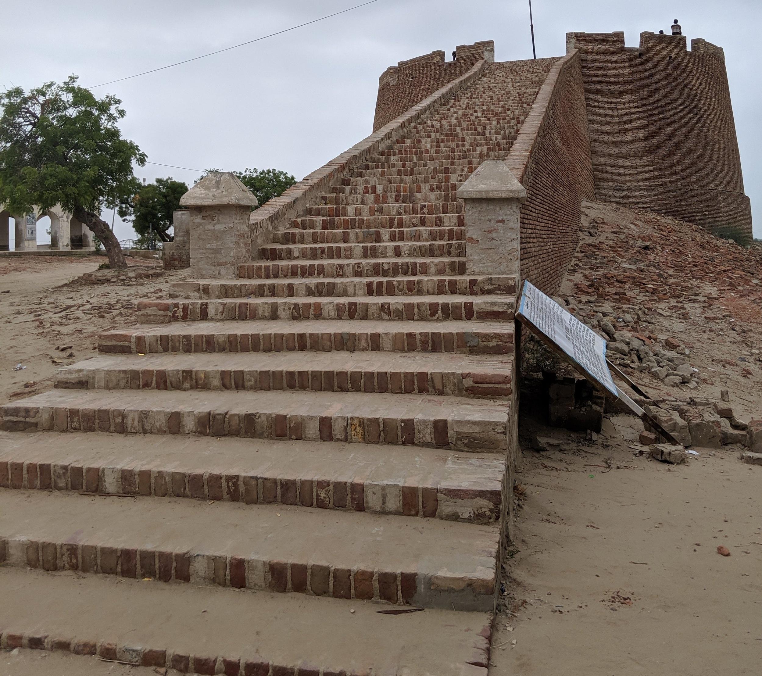 Umerkot Fort, where Umar Soomro held Marvi (Photo by Kayhan Qaiser)
