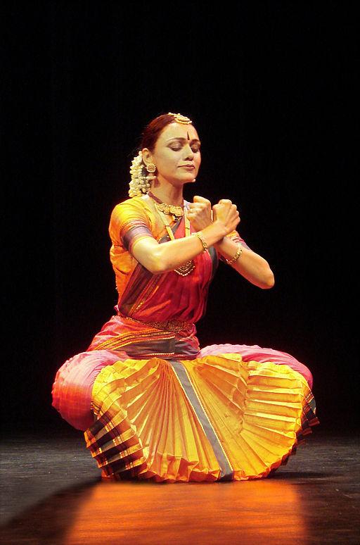 Bharatanatyam dancer Rama Vaidyanathan (Photo by Jean-Pierre Dalbéra)