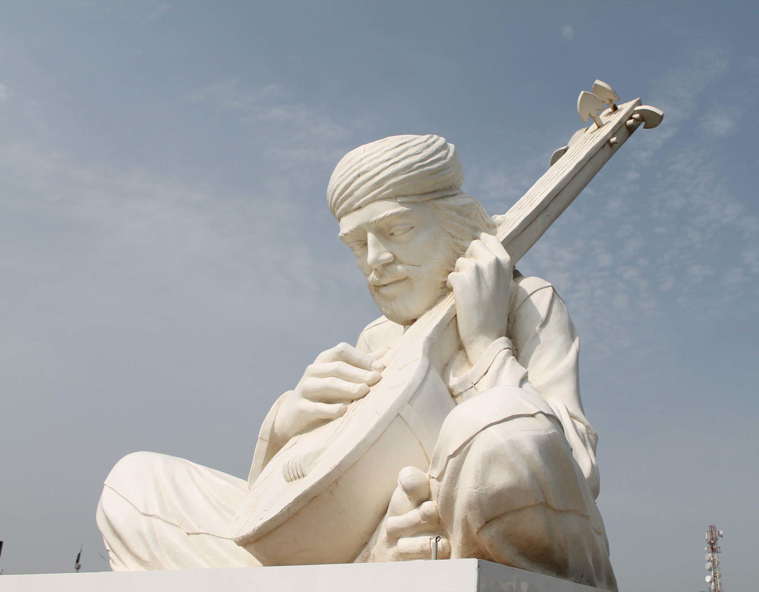 Statue of Shah Abdul Latif Bhittai by Nadir Ali Jamali in Bhit Shah