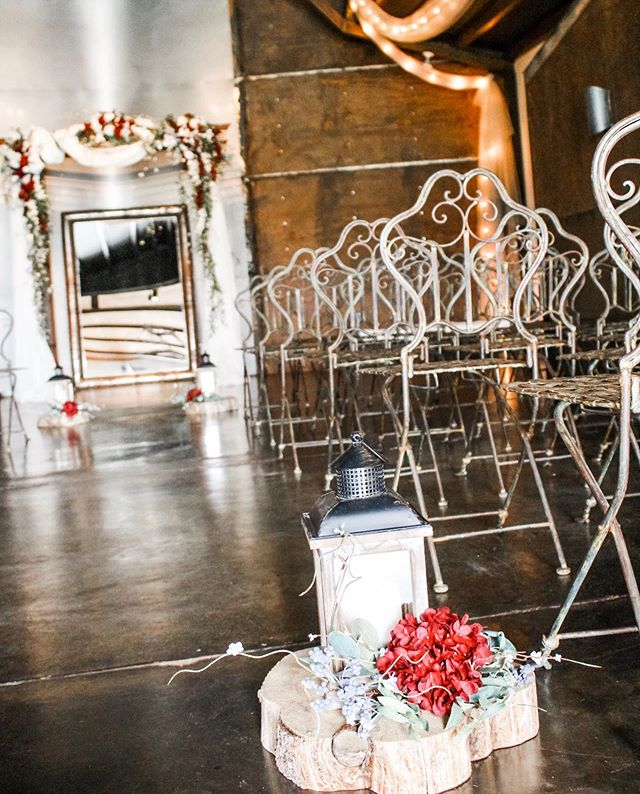 Details! Details! Details! .... Wedding Season is underway here at Rose River! Last weekend our bride went with a simple elegant design that came together perfectly! Decor by Tona. #roseriverreceptions #weddingstyle