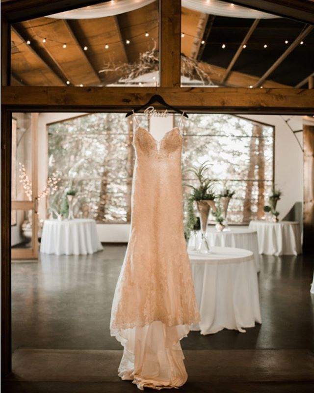 The dress!! @saracarlsonphotography #weddingparty #weddingstyle #roseriverreceptions #idahoweddingvenue #idahowedding #eastidahoweddingvenue #eastidahowedding #riverwedding #outdoorweddingvenue #idahobride #eastidahobride #roseriverreceptions