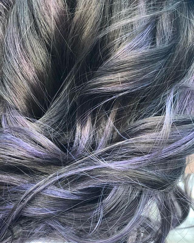 💜🌪💜 . . . . . . . . . . #balayage #purplehair #lavenderhair #colorpop #druvhairartistry #saloninthemills #capecodstylist #capecodhairdresser #capecodhairstylist #instahair #instadaily #instatop #hairoftheday #joicocolorintensity #smoke #purple #purplehaze #dowhatyoulove #lovewhatyoudo