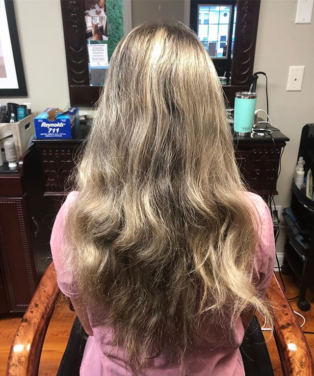 Melting into fall 🍂 swipe to see the after! @m_cirese . . . . . #saloninthemills #hairvideos #colormelt #blondehair #blondebalayage #fallhair #rootyblonde #instahair #instatop #instadaily #druvhairartistry #capecodhairstylist #beforeandafter #hairgoals #barbiehair #blonde #curls #ombrehair #blondeombre #rootsmudge #ilovehair