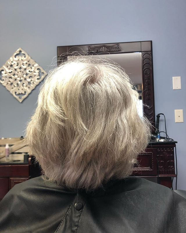 Swipe to see the afters of this fun spring clean up ✂️🌷