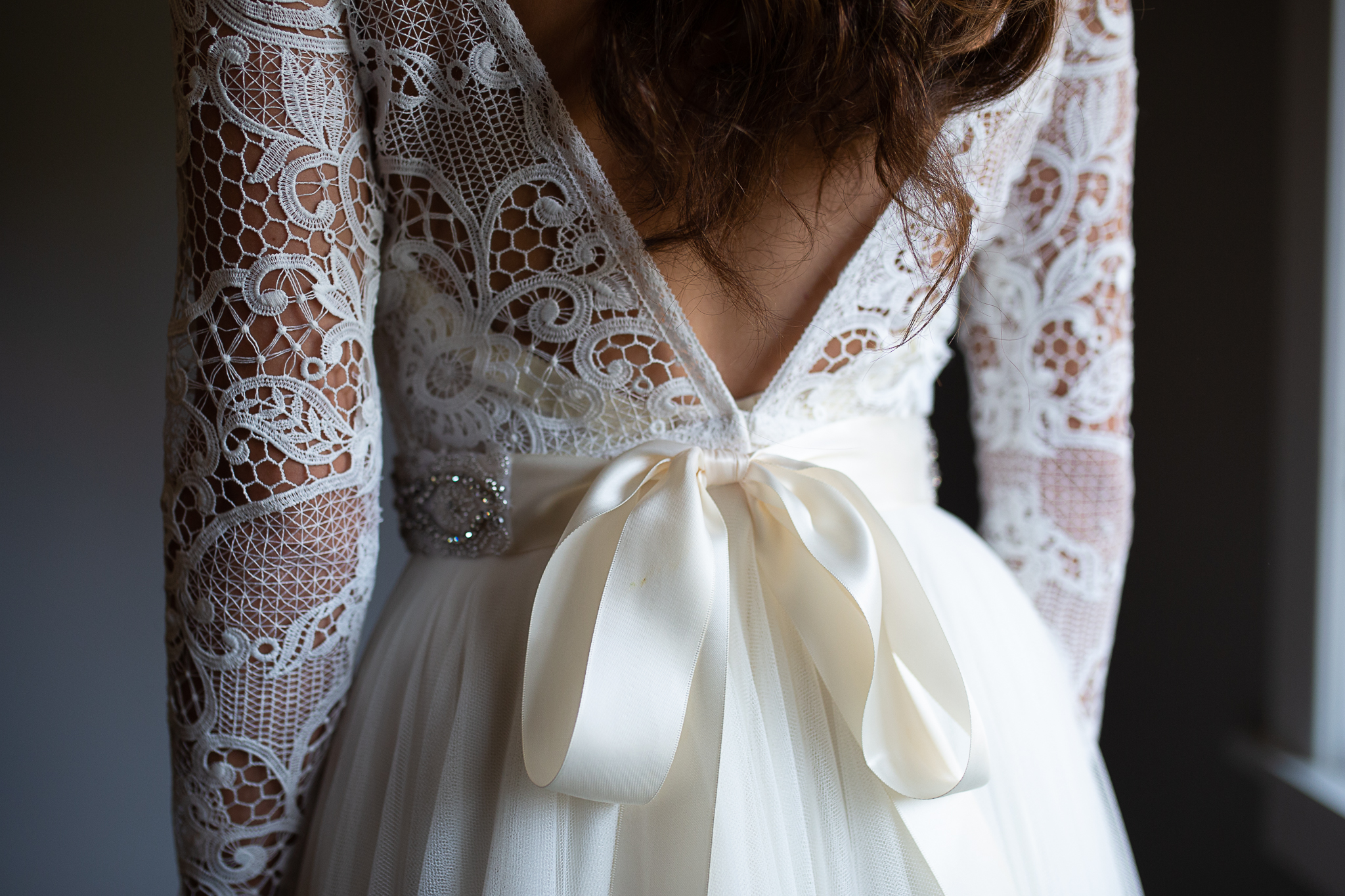 Back of brides wedding dress.
