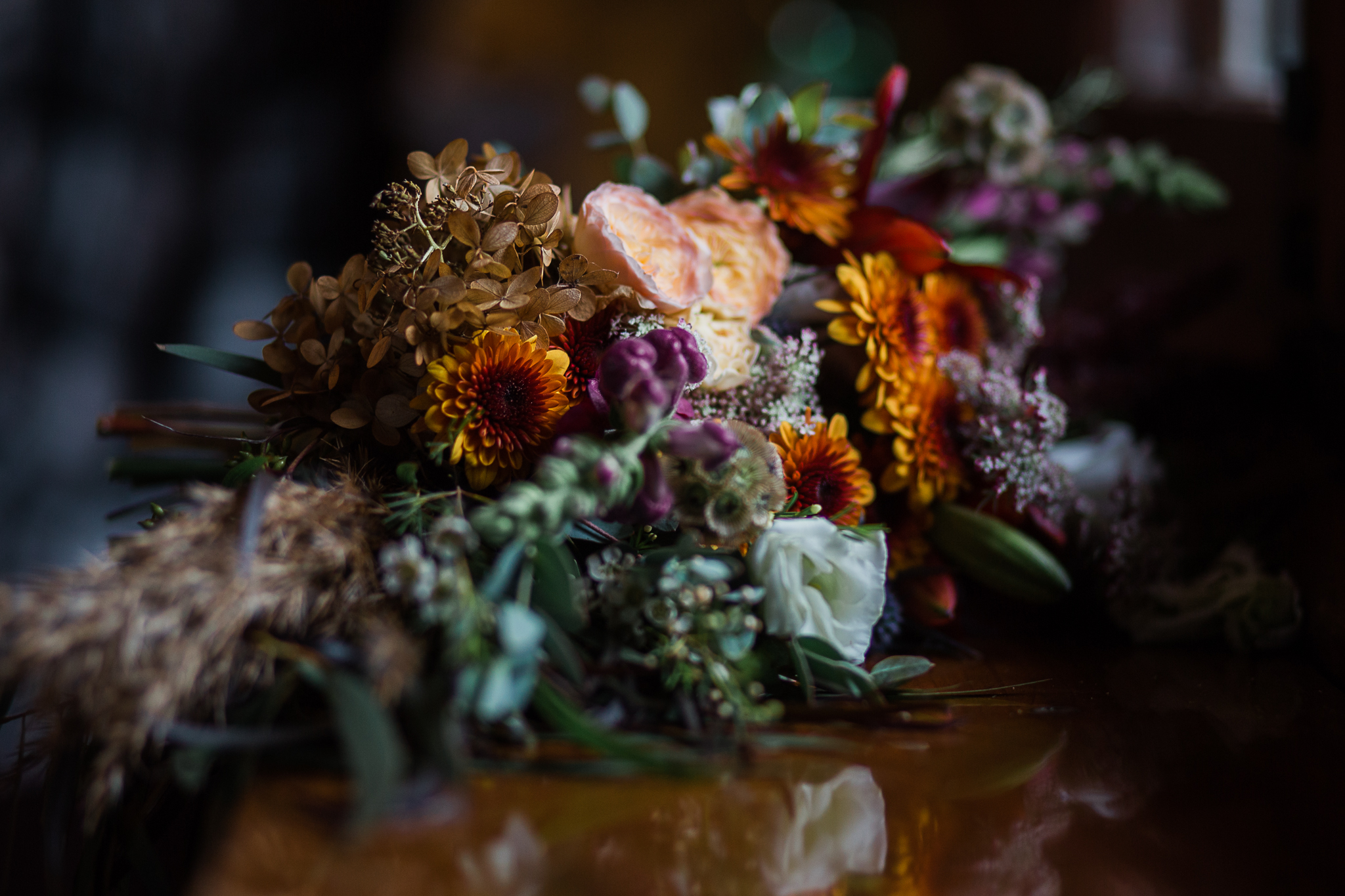 wedding detail shots of flowers