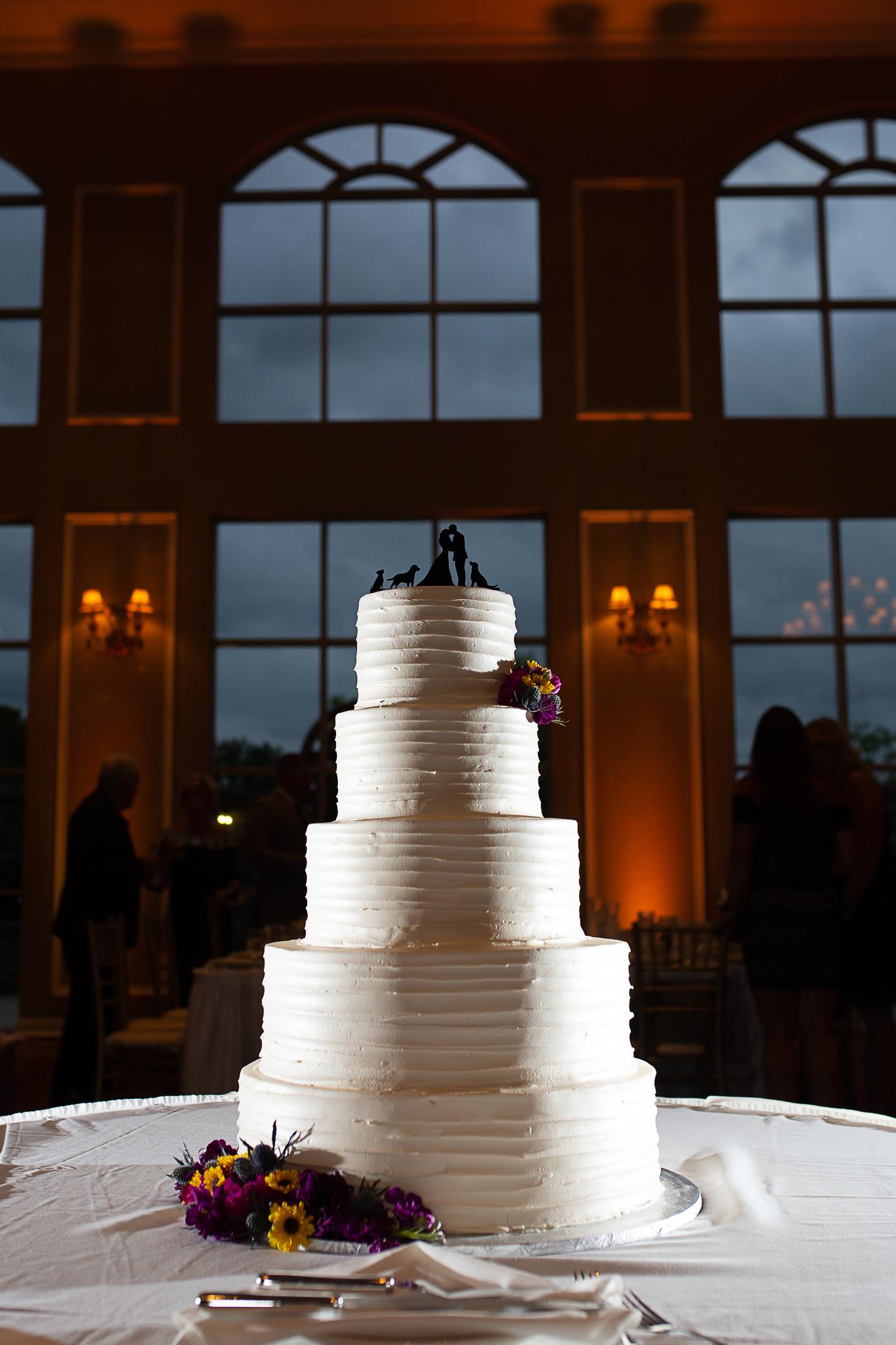 detail shot of wedding cake