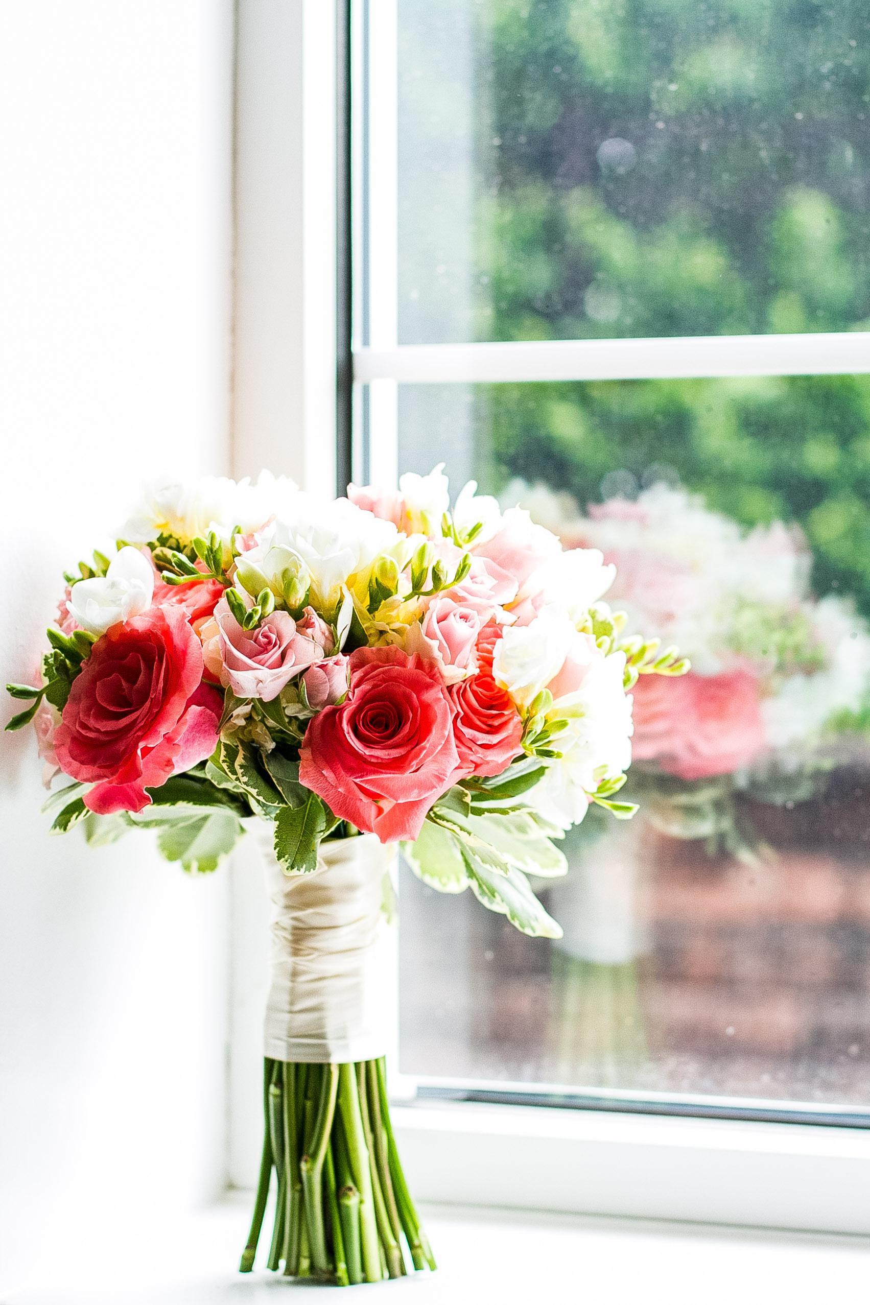 detail shot of wedding flowers