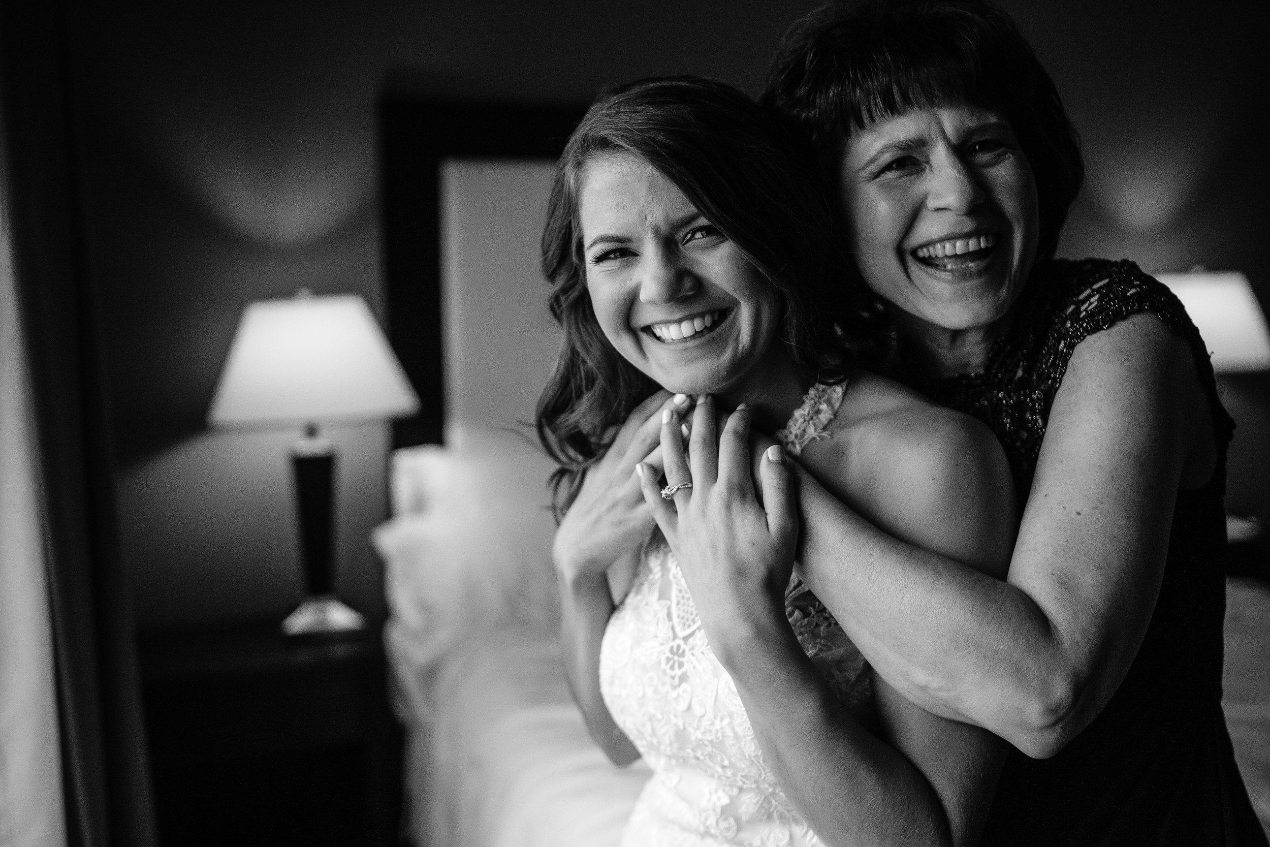 Mom-and-daughter-wedding-pose.jpg