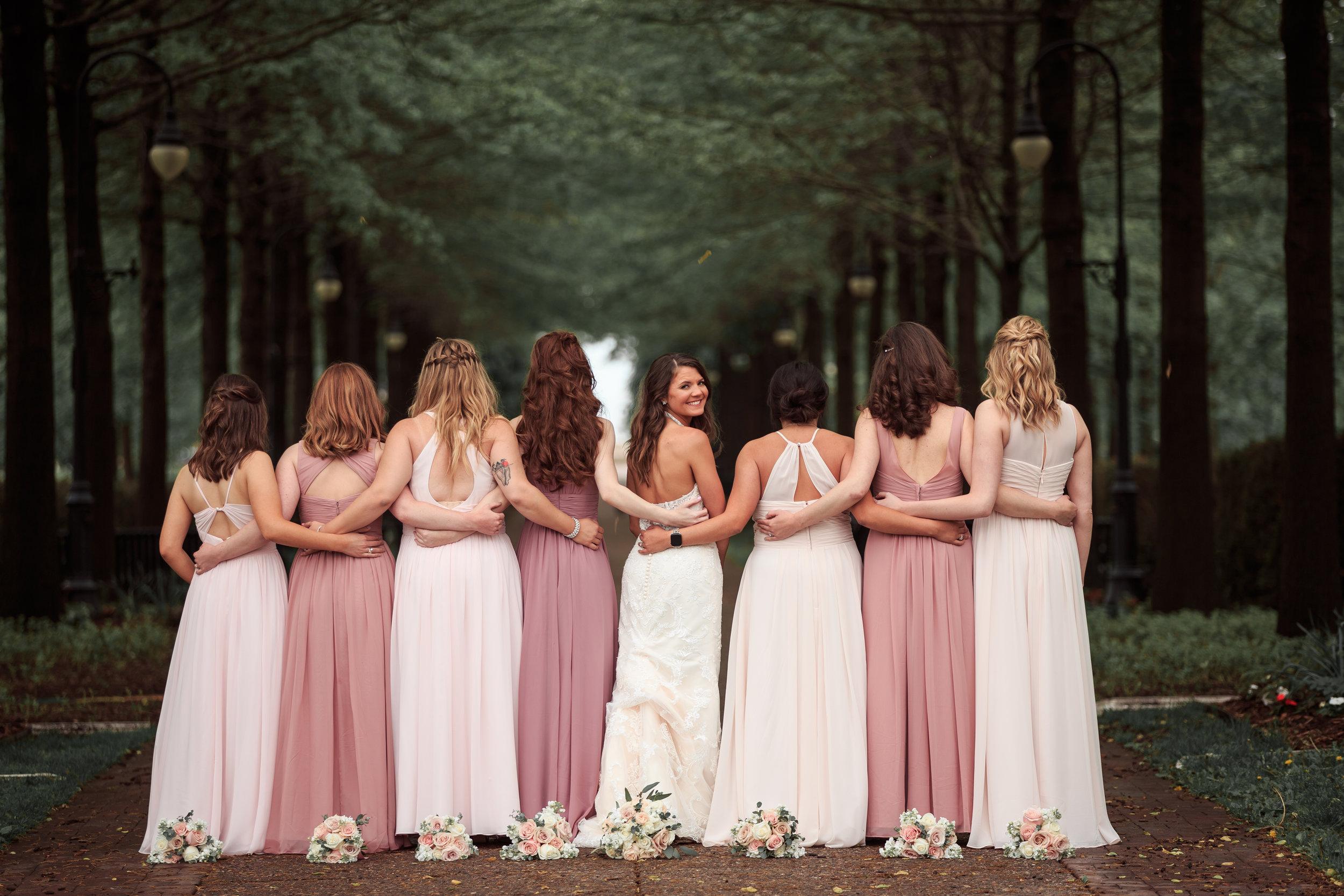 Cute-bridesmaids-quad-cities-wedding.jpg