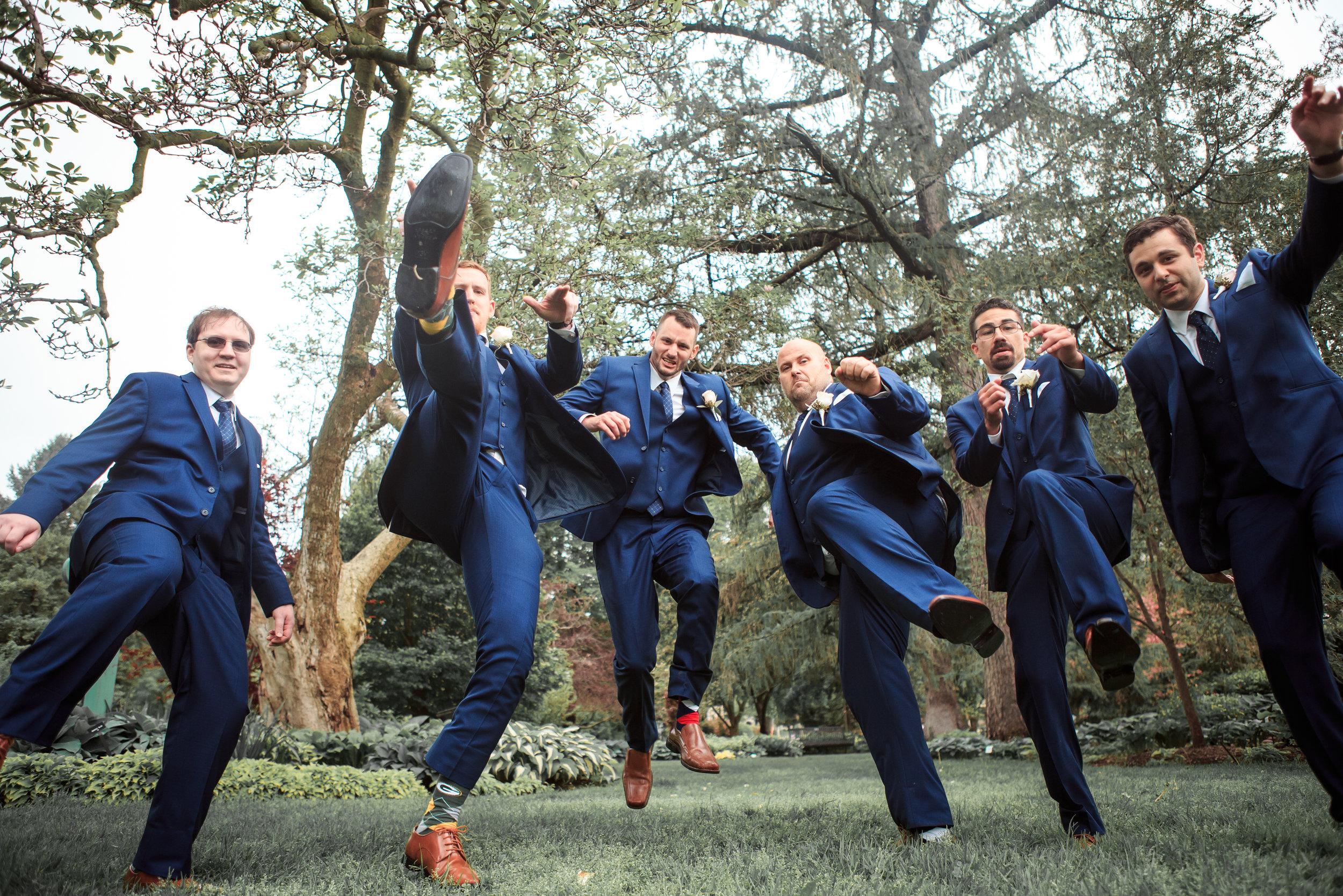 fun-groomsmen-wedding-photo-davenport-wedding.jpg