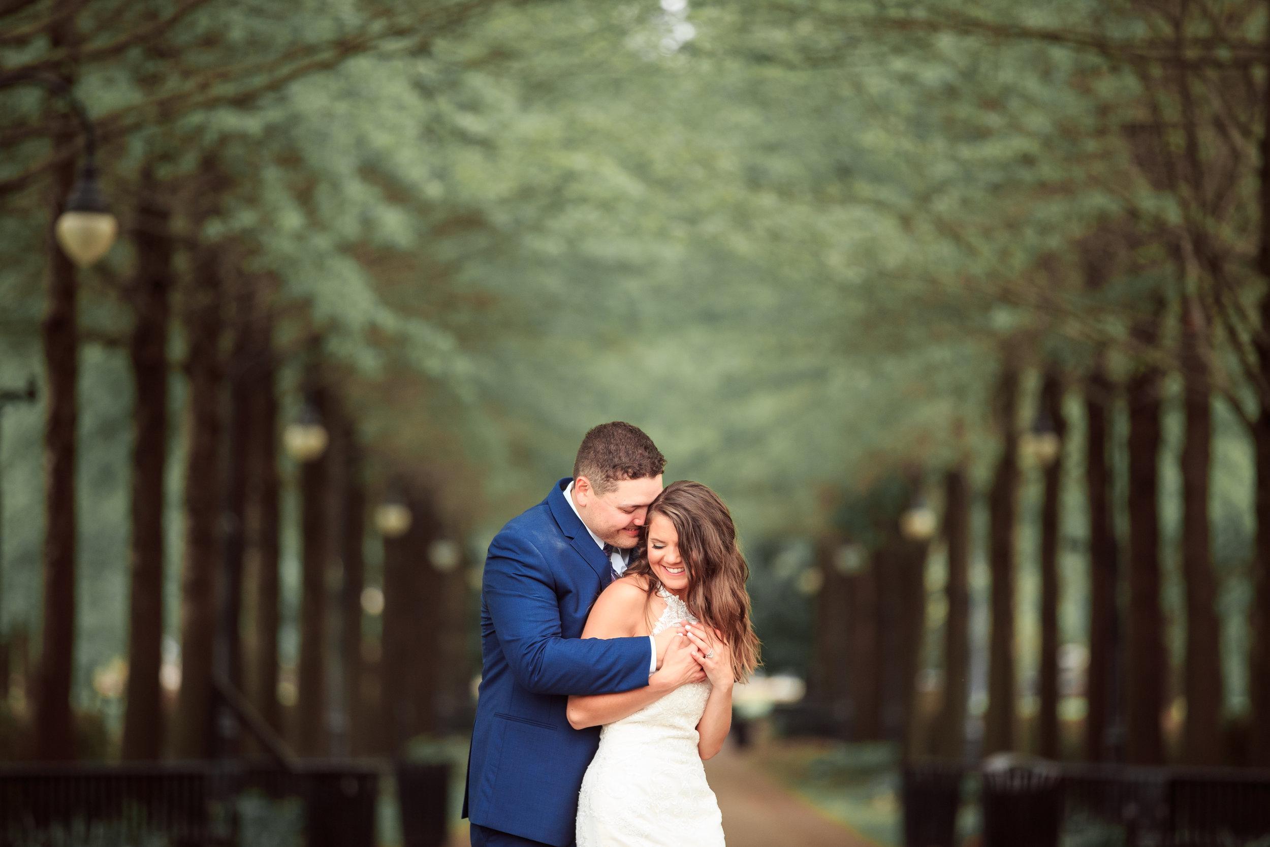 Cute-wedding-pose-in-davenport-iowa.jpg