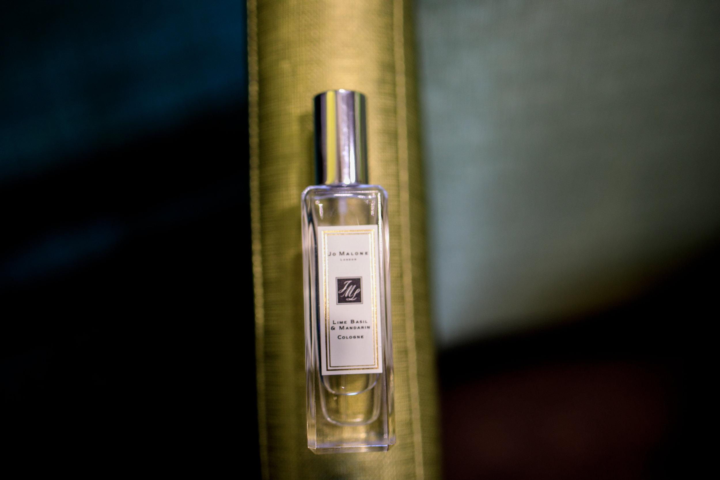 Lauren-ashley-studios-photography-details-perfume.jpg