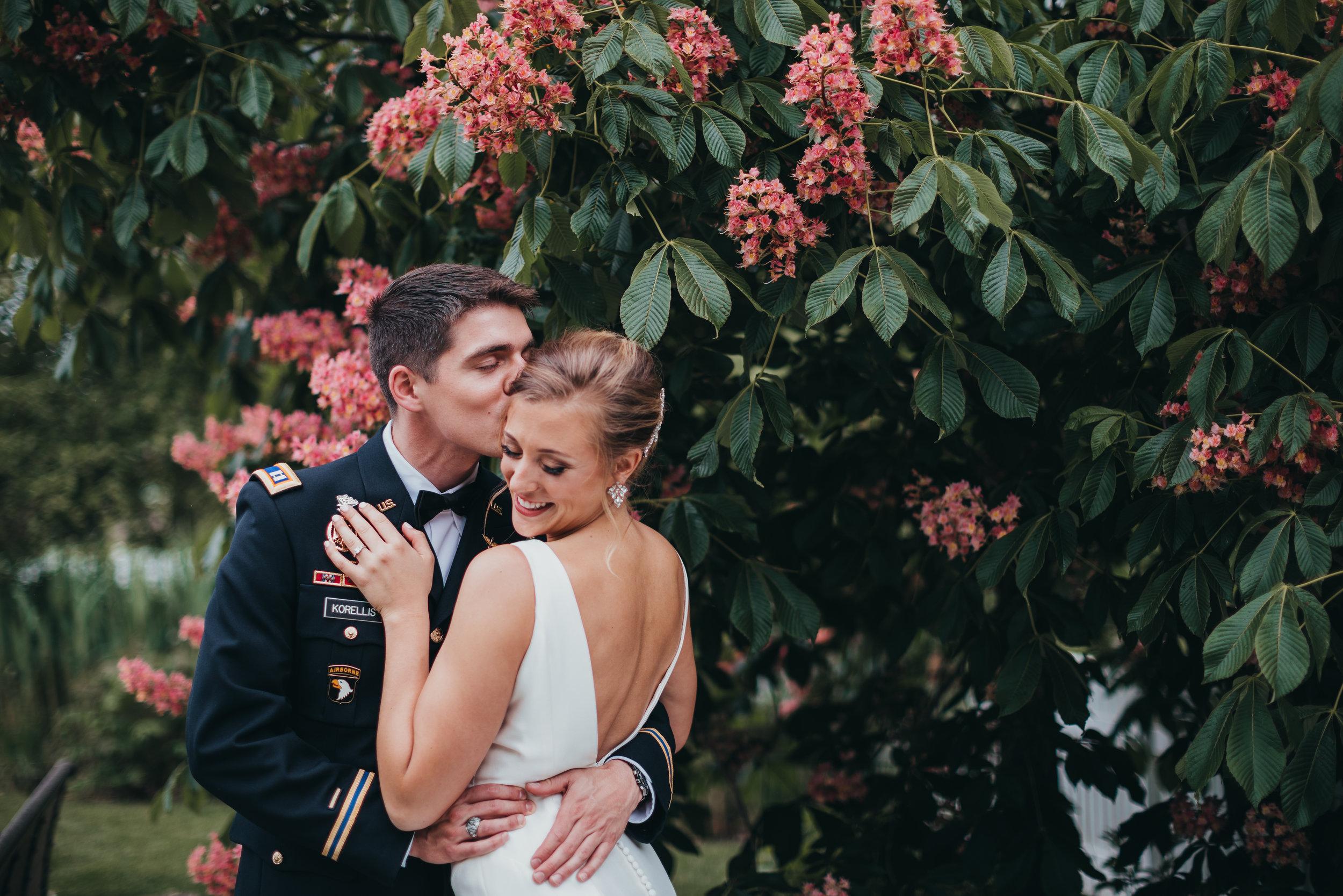 Centennial-Park-Munster-indiana-bride-and-groom-Lauren-ashley-studios-pose-ideas.jpg