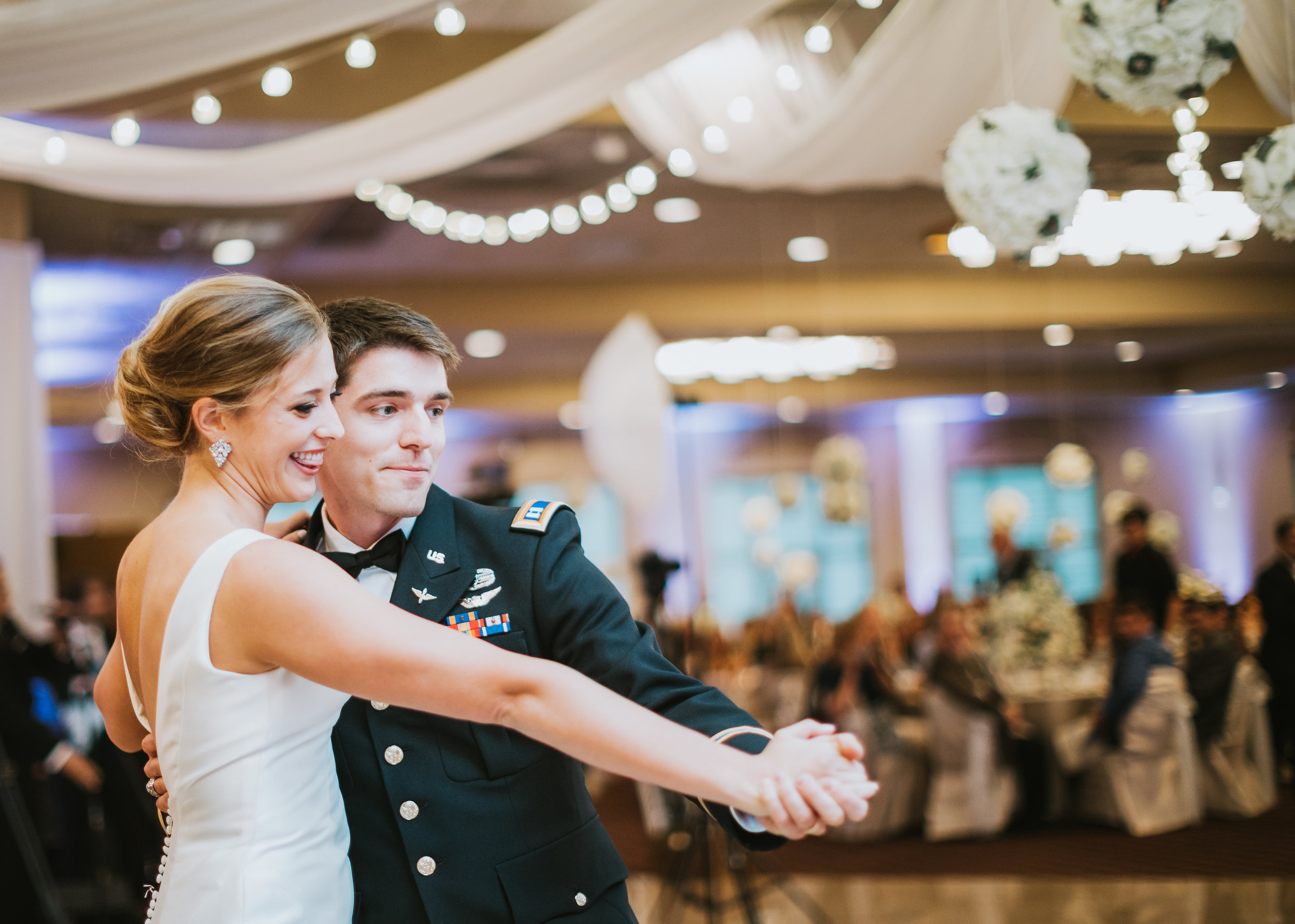Bride-and-groom-dancing-at-Villa-Cesare-lauren-ashley.jpg