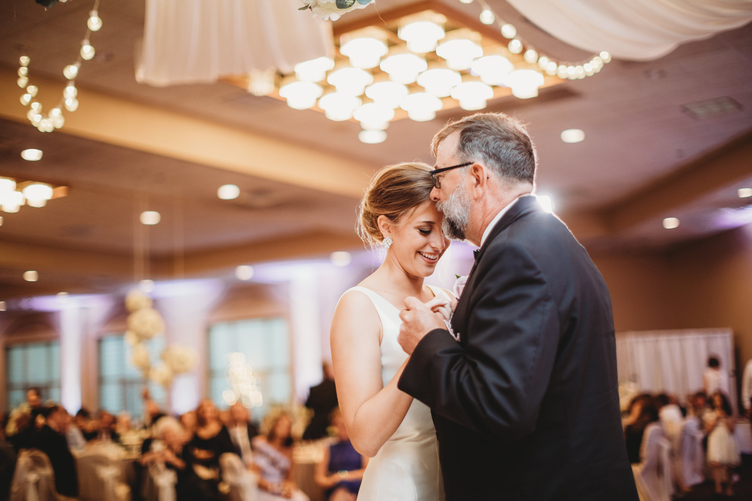 Father-daughter-dance-at-Villa-Cesare-lauren-ashley-photography.jpg