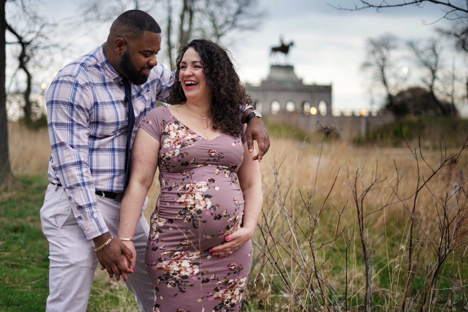 lincoln-park-chicago-maternity-photography-ulysses-grant-monument.jpeg