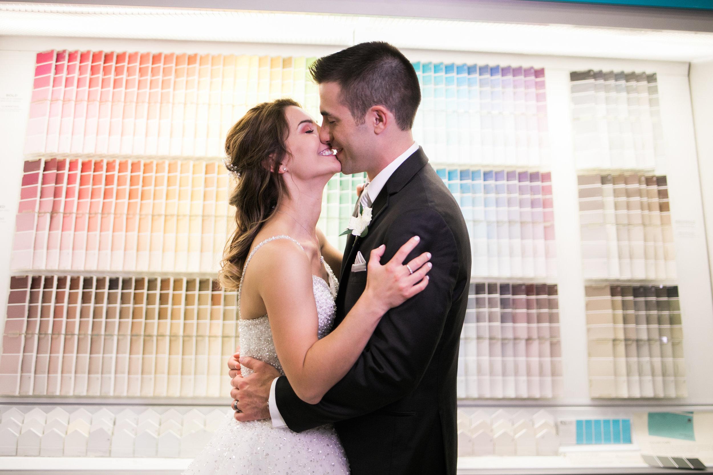 Wedding-couple-takes-photos-at-lowes-hardware-due-to-rain11.jpg