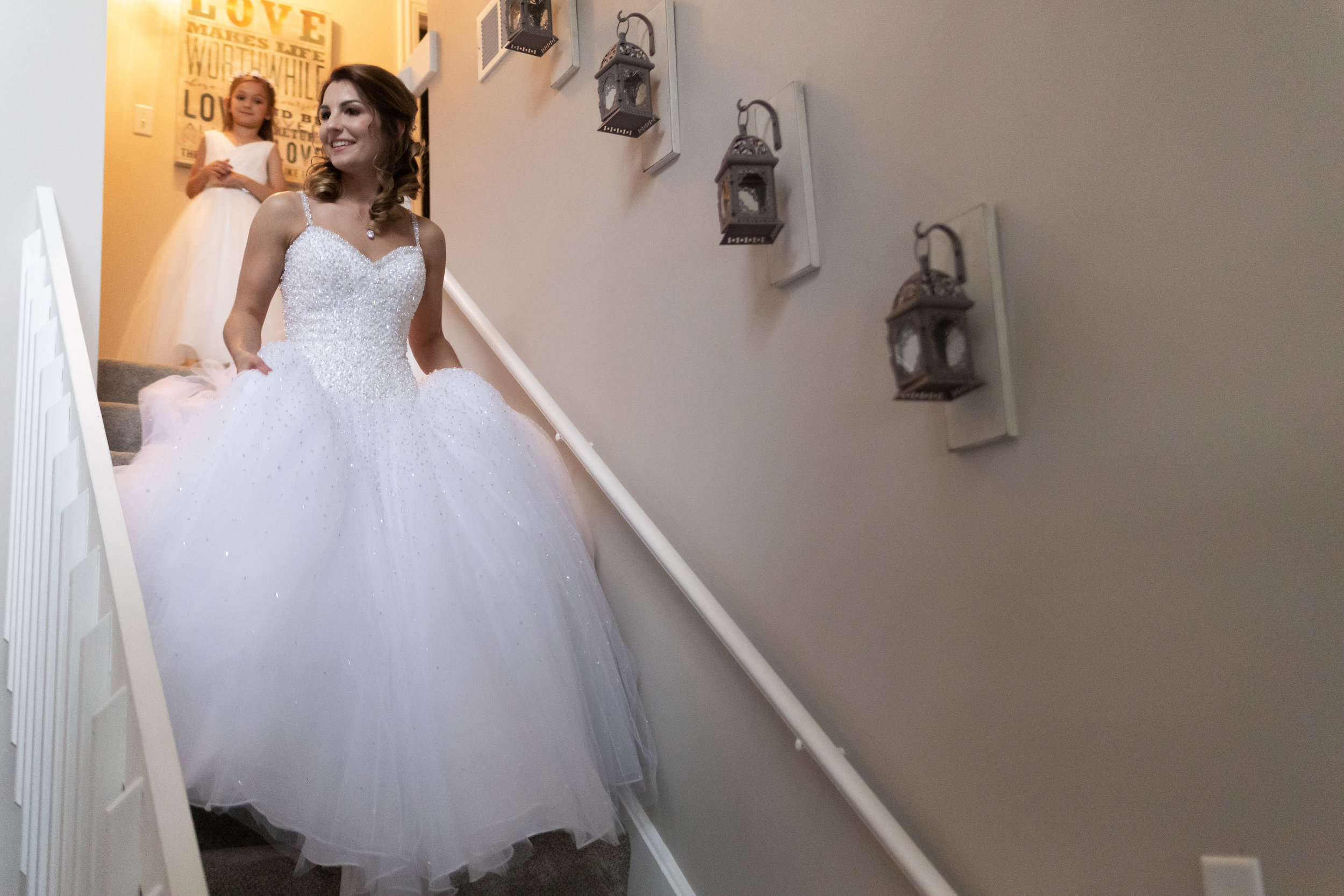Wedding-couple-takes-photos-at-lowes-hardware-due-to-rain35.jpg