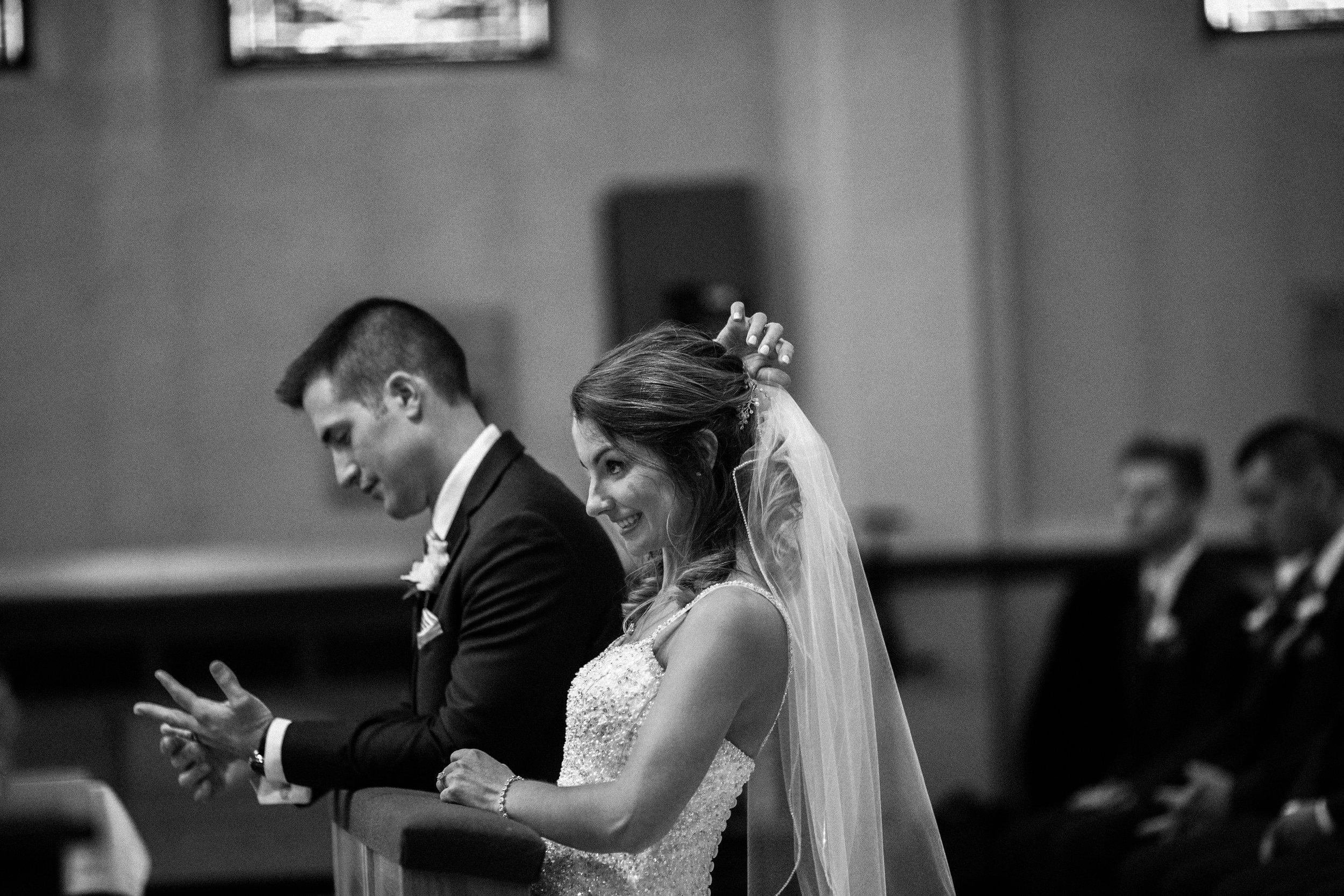 Wedding-couple-takes-photos-at-lowes-hardware-due-to-rain31.jpg