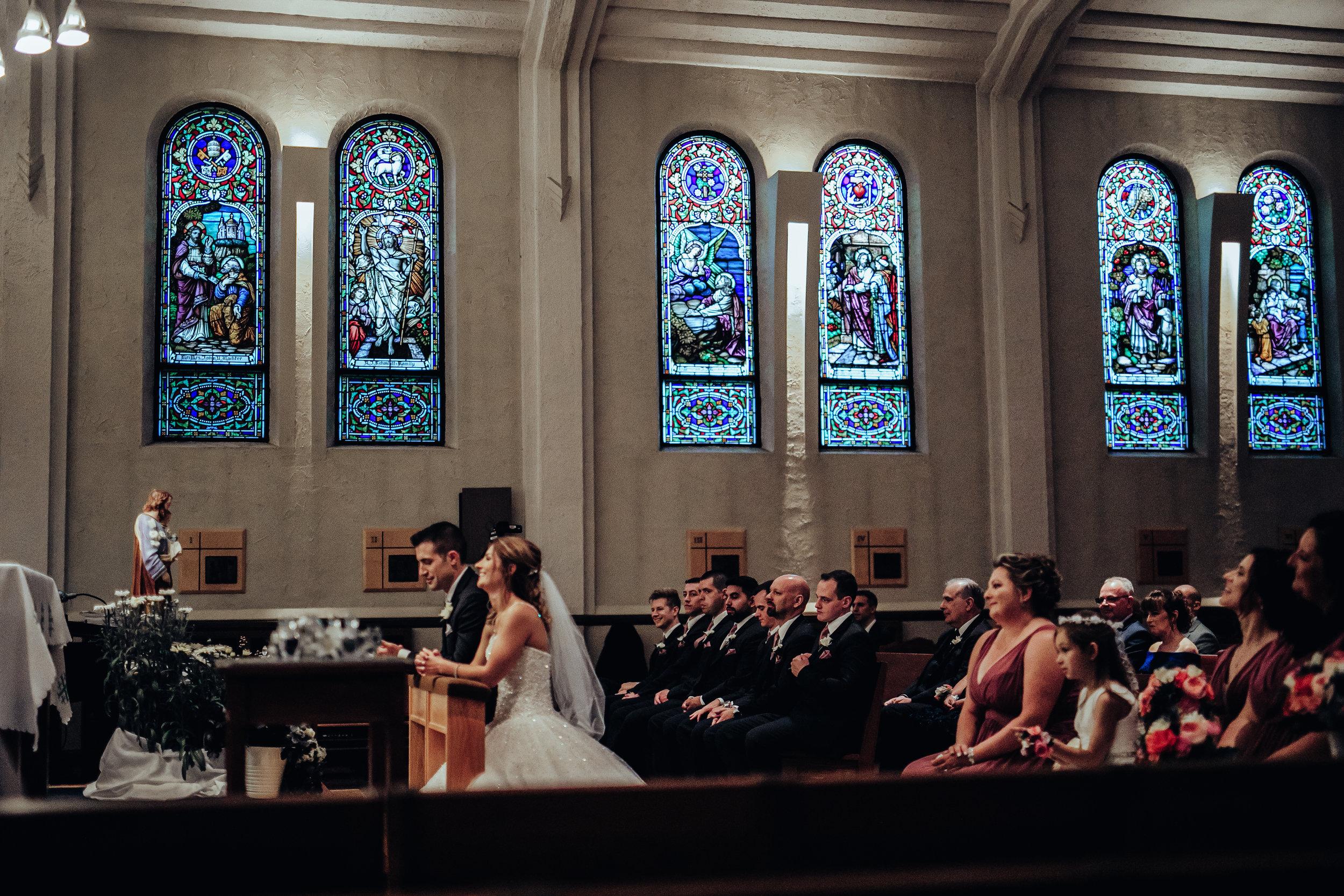Wedding-couple-takes-photos-at-lowes-hardware-due-to-rain32.jpg