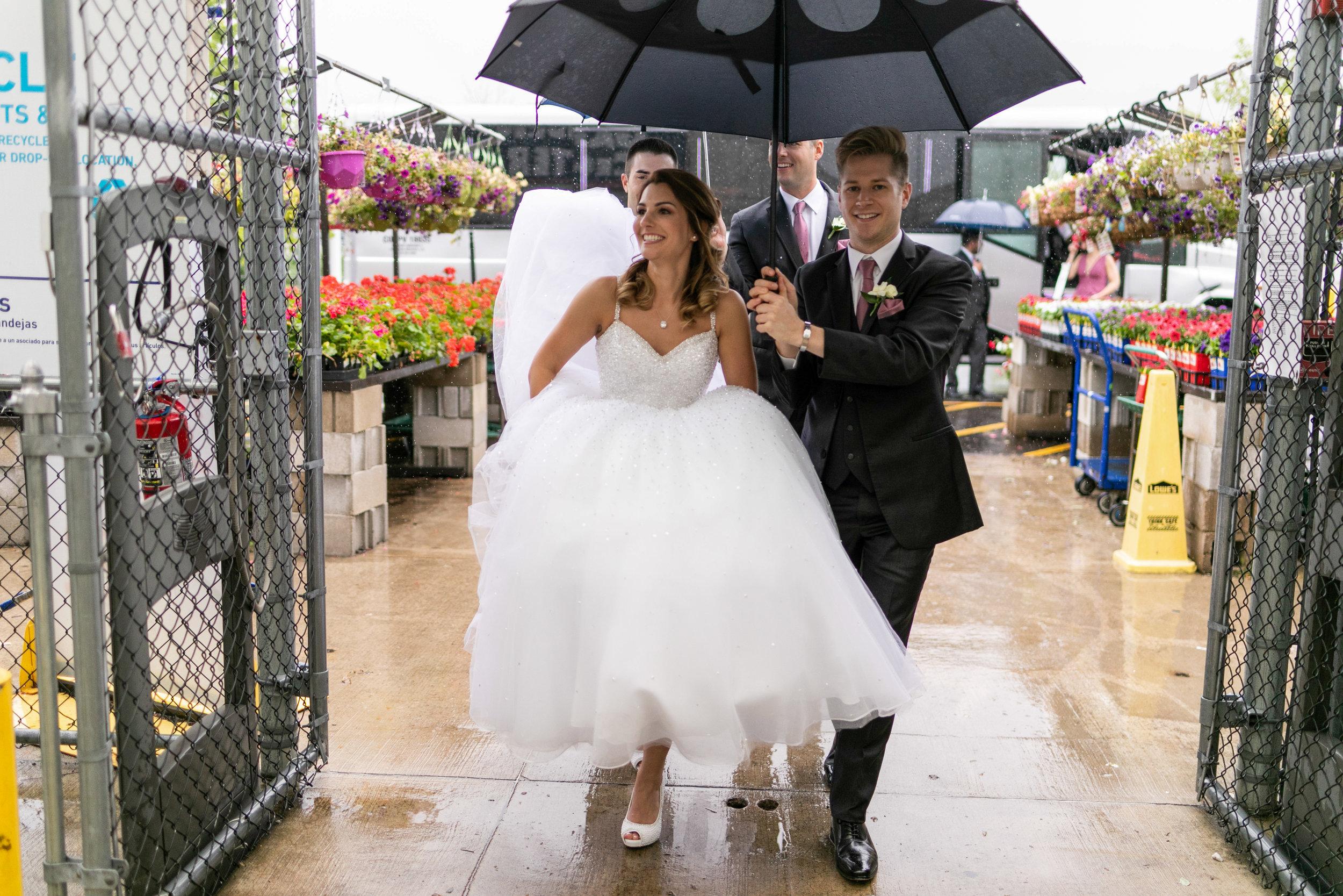 Wedding-couple-takes-photos-at-lowes-hardware-due-to-rain30.jpg