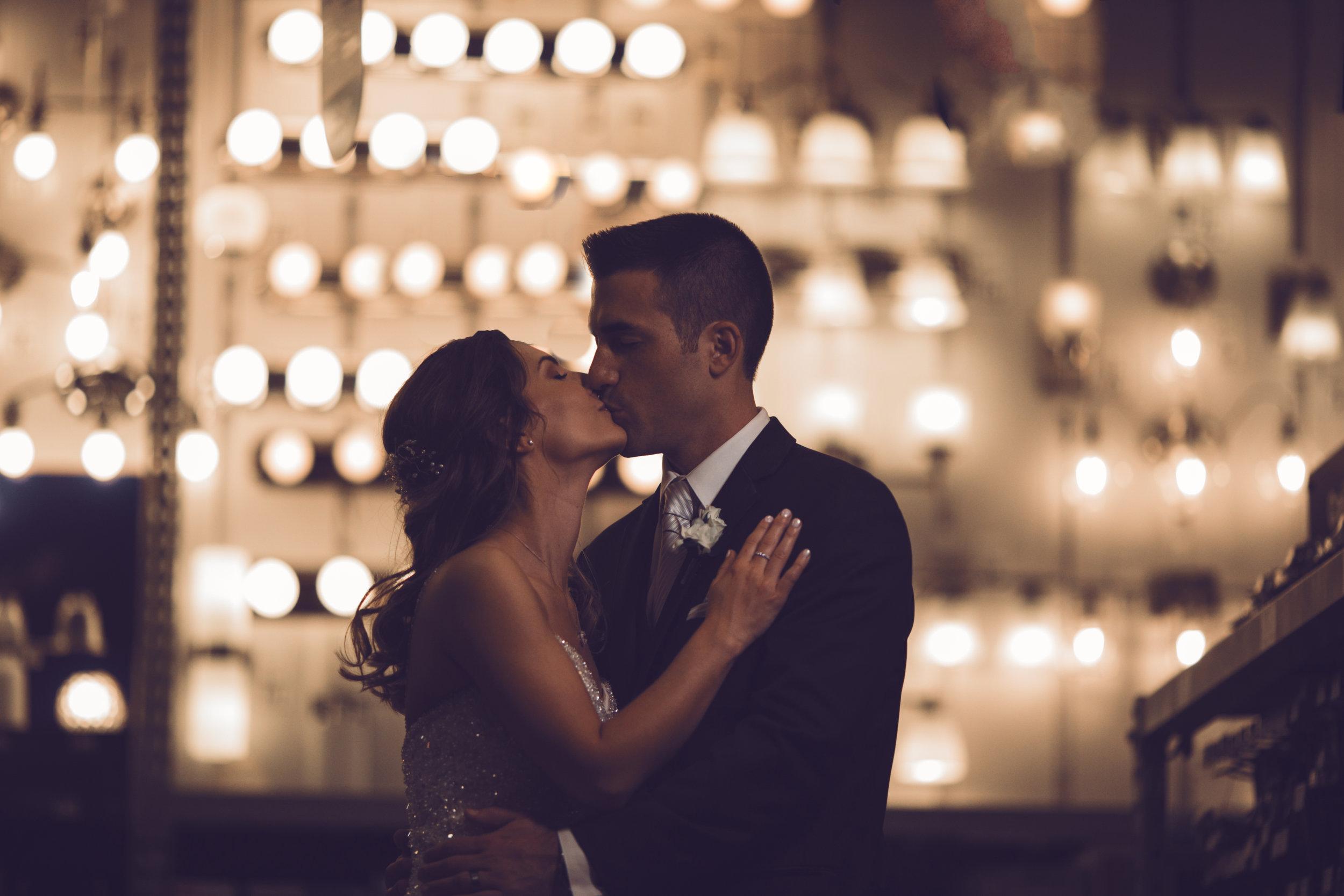 Wedding-couple-takes-photos-at-lowes-hardware-due-to-rain43.jpg