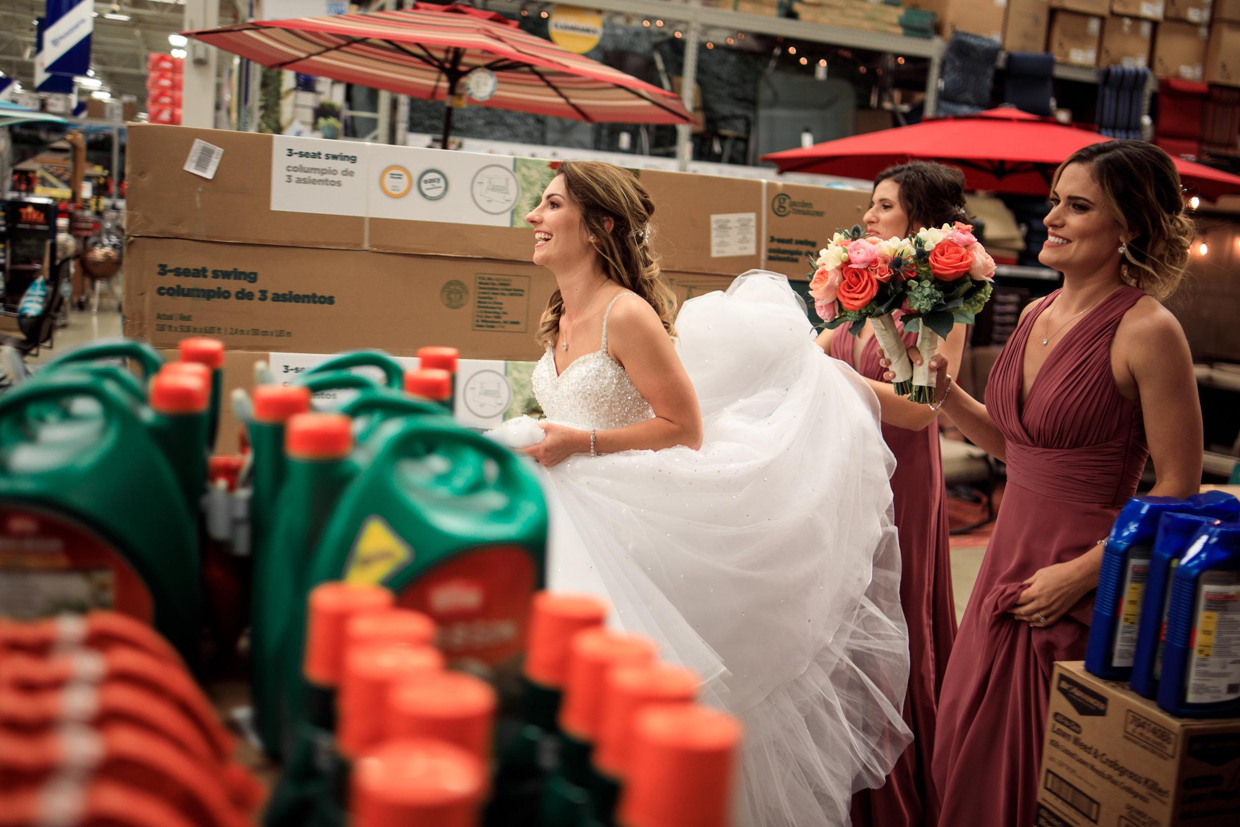 Wedding-couple-takes-photos-at-lowes-hardware-due-to-rain22.jpg