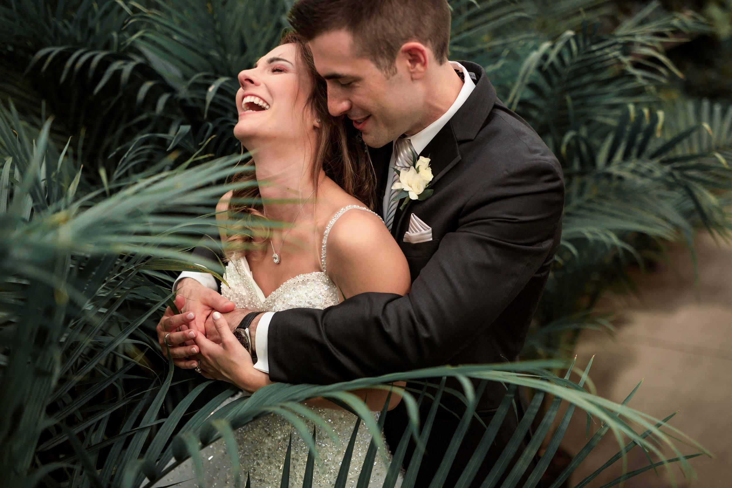 Wedding-couple-takes-photos-at-lowes-hardware-due-to-rain14.jpg