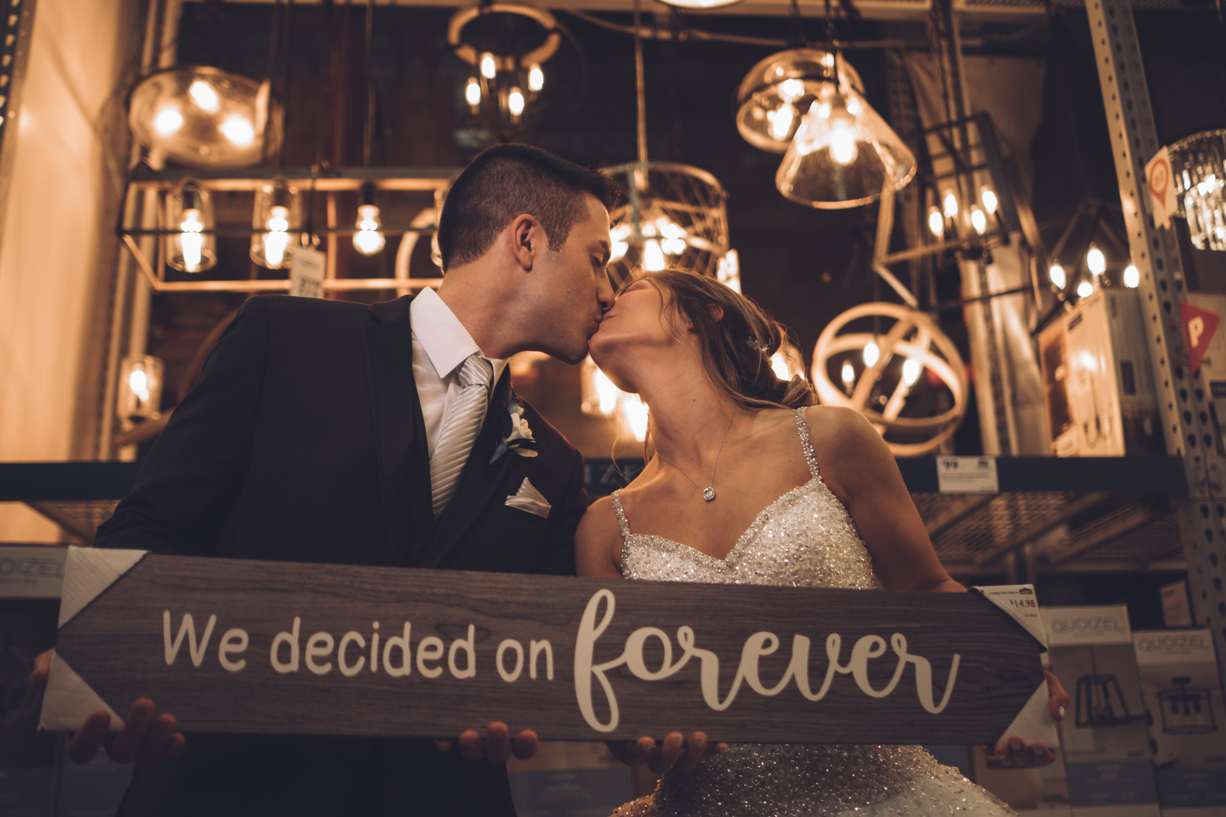 Wedding-couple-takes-photos-at-lowes-hardware-due-to-rain10.jpg
