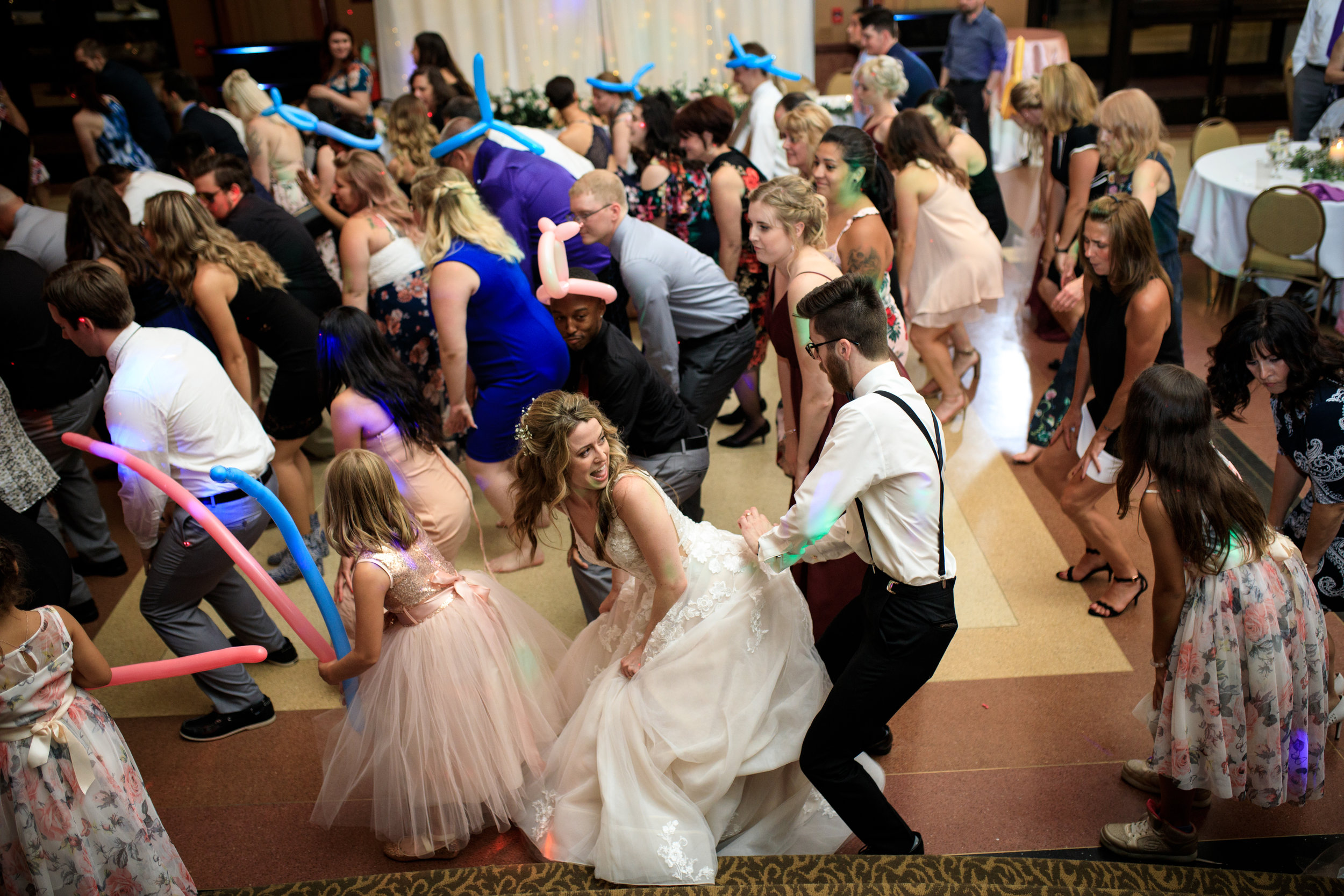 Hilarious-funny-bride-and-groom-take-wedding-photos-to-next-level25.jpg