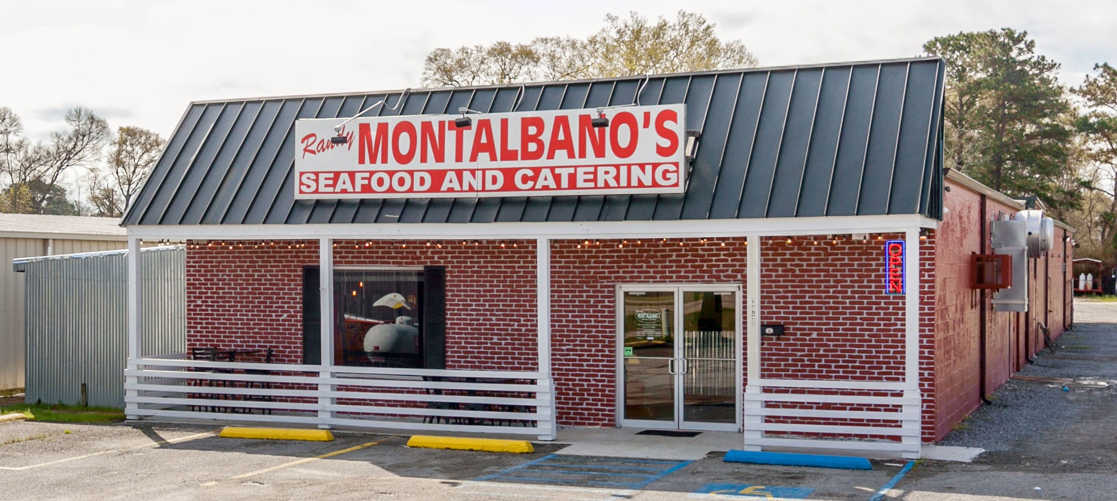 Randy Montalbano's Seafood to cater your event