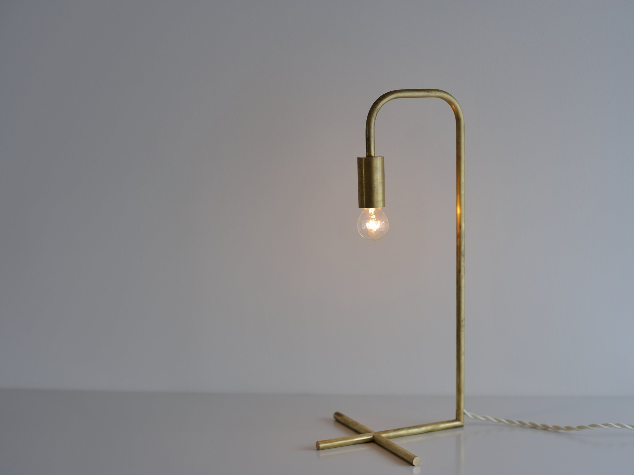 Table Lamp size / W190 D190 H400 534g cord length / 1500(switch) material / brass lamp / E17
