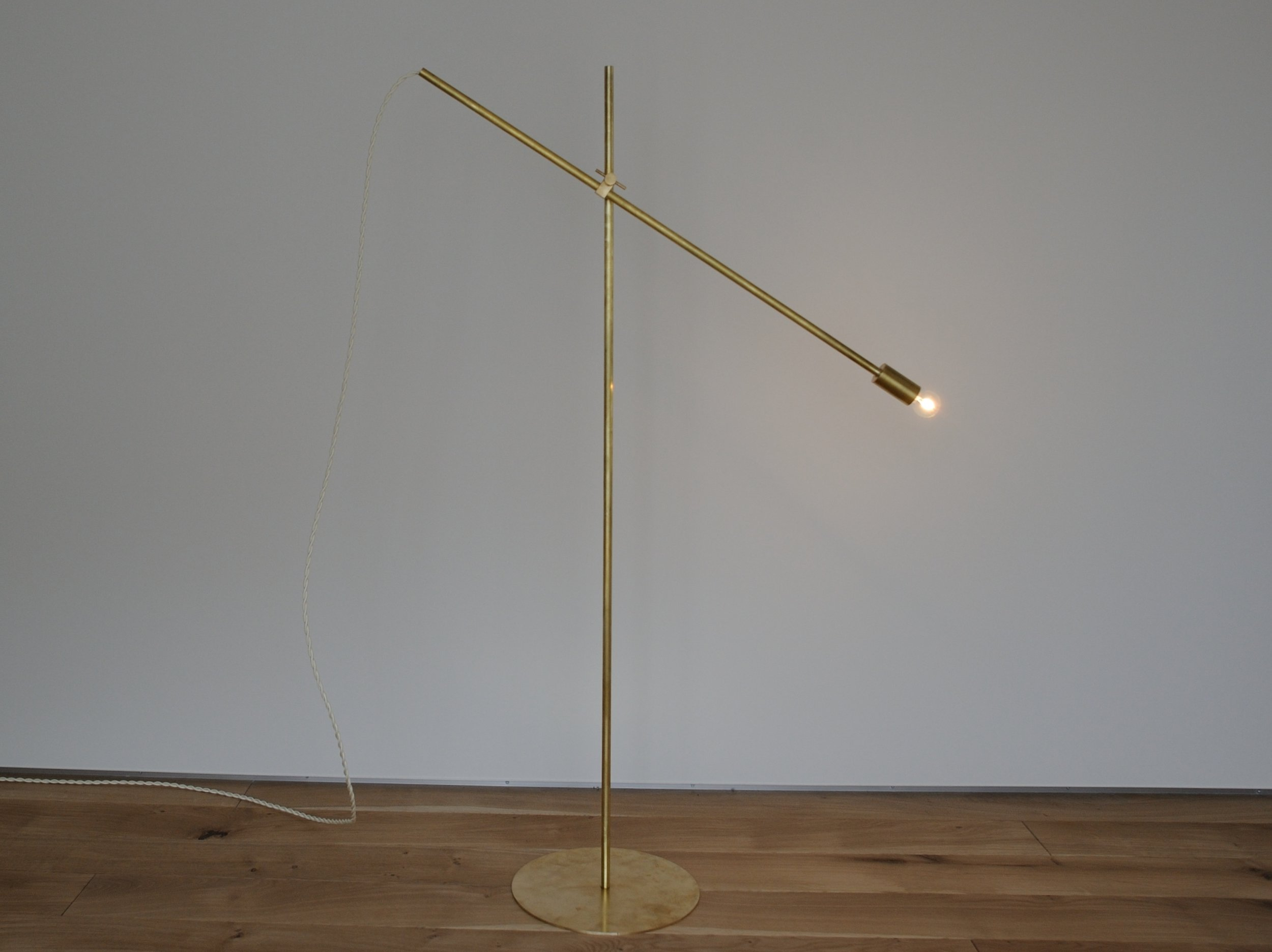 Floor Lamp size / W755(180°) H1100 Φ250 2.3kg cord length / 2000(switch) material / brass lamp / E17