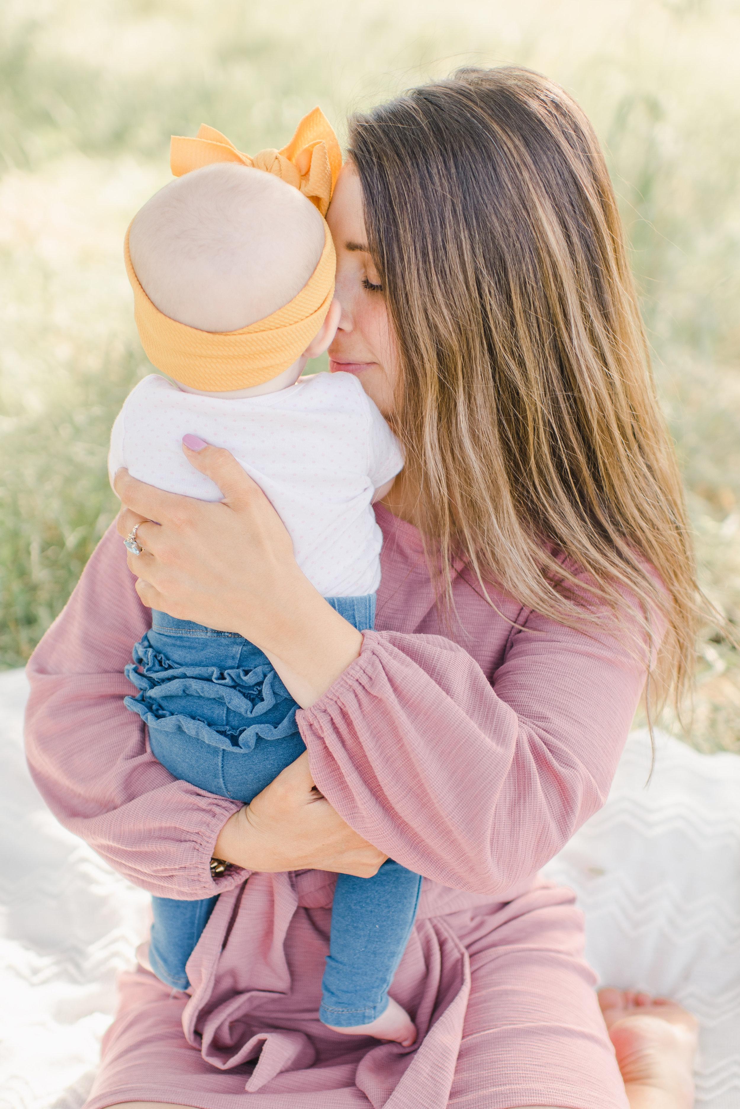 Allie-Leja.Motherhood-Mini.DeniseApgarPhotography-22.jpg