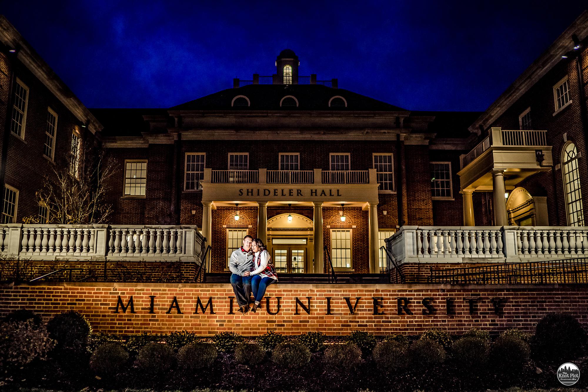 Miami-University-Ohio-Engagement-Photos-8.jpg