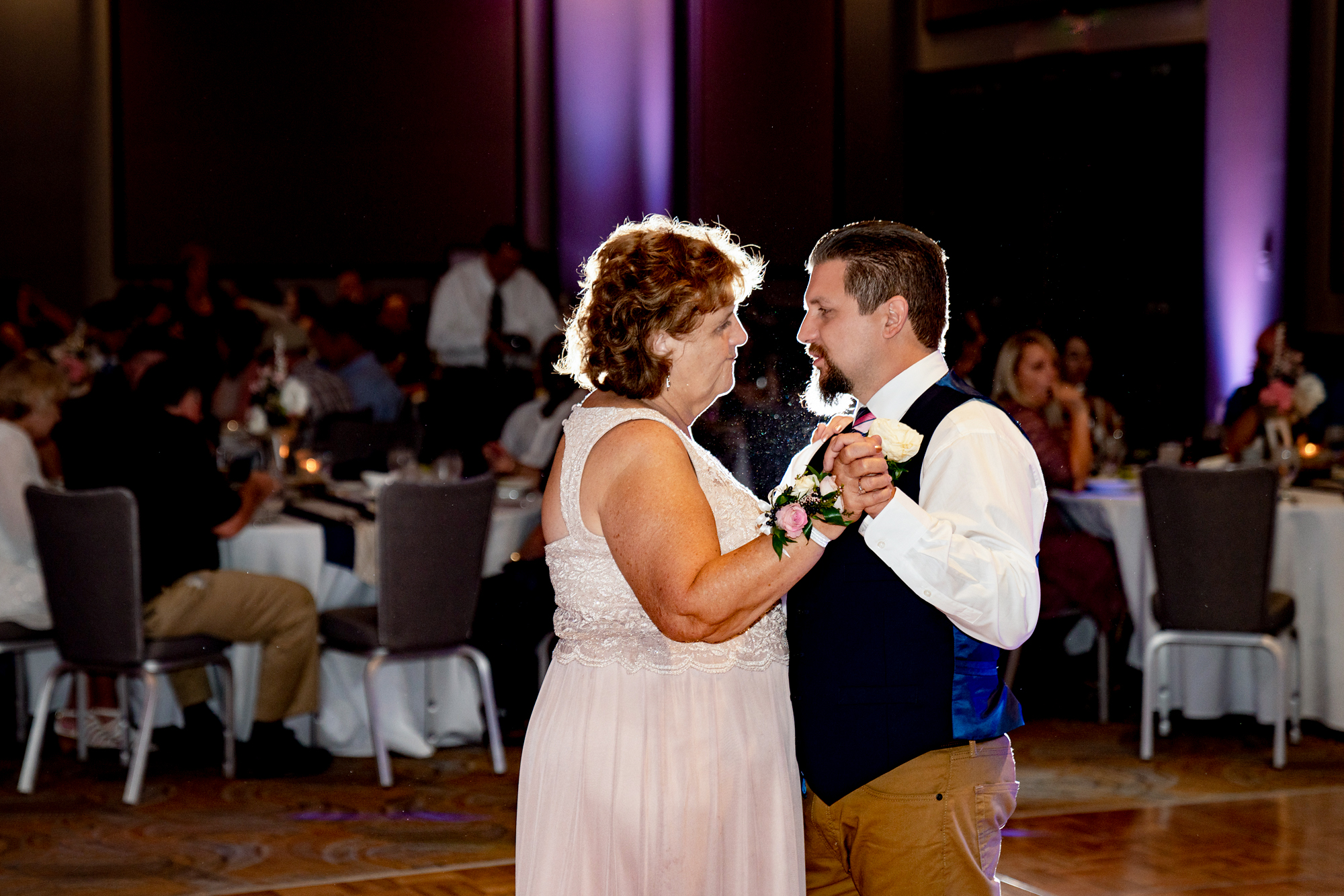 Lawrenceburg-Event-Center-Cincinnati-Wedding-Photographers-26.jpg