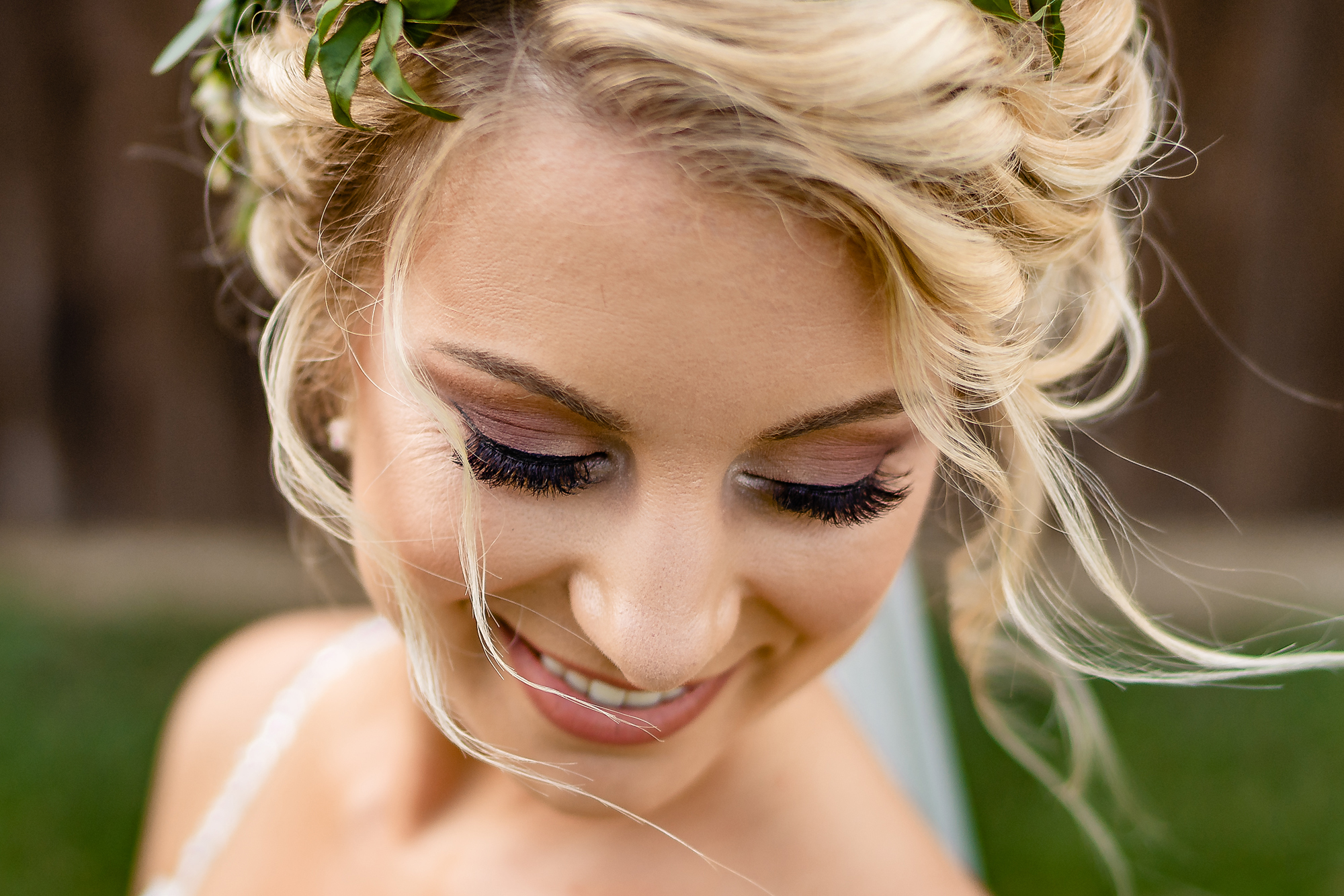 Cincinnati-Wedding-Photographers-Hughes-Center-Barn-5.jpg