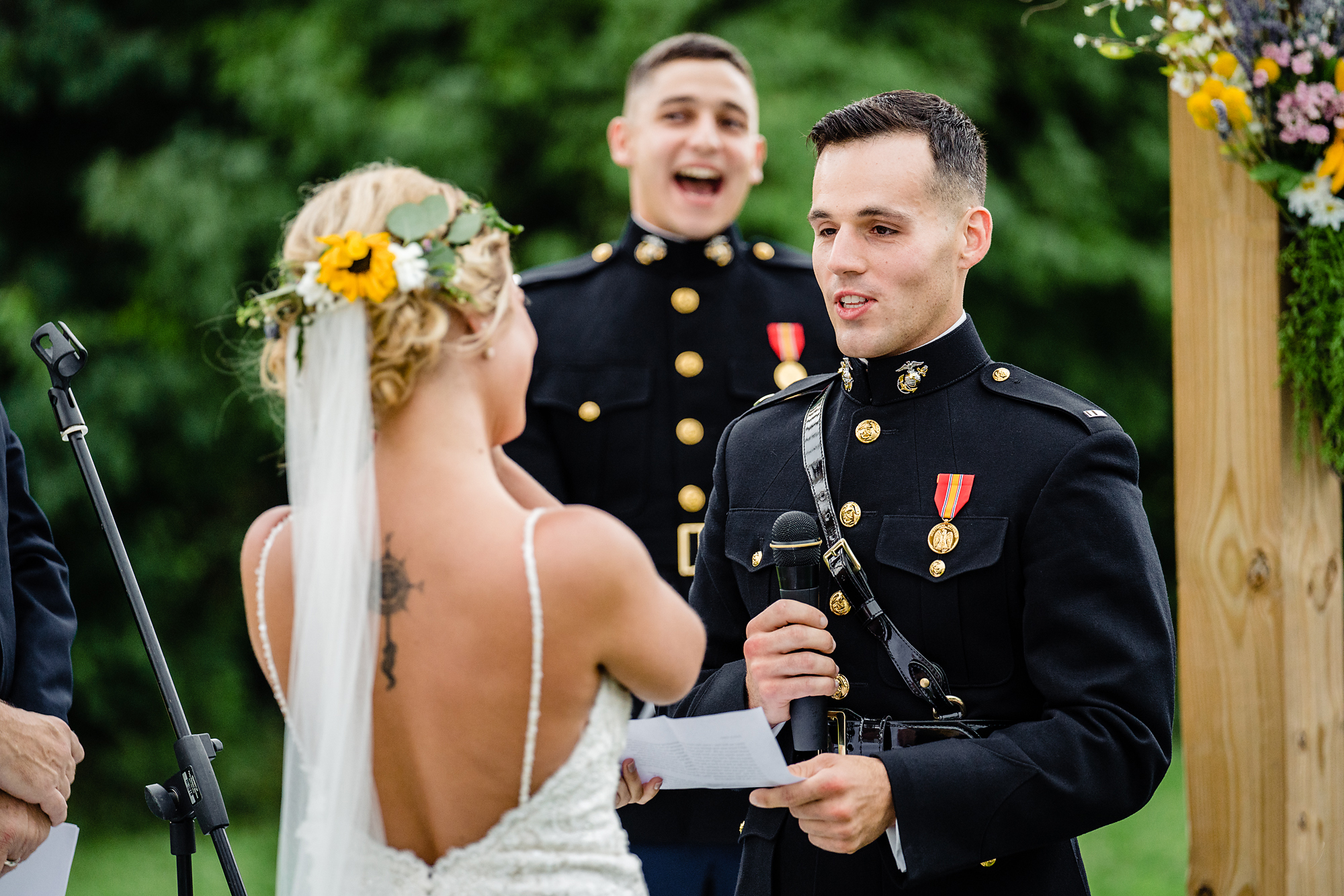 Cincinnati-Wedding-Photographers-Hughes-Center-Barn-14.jpg