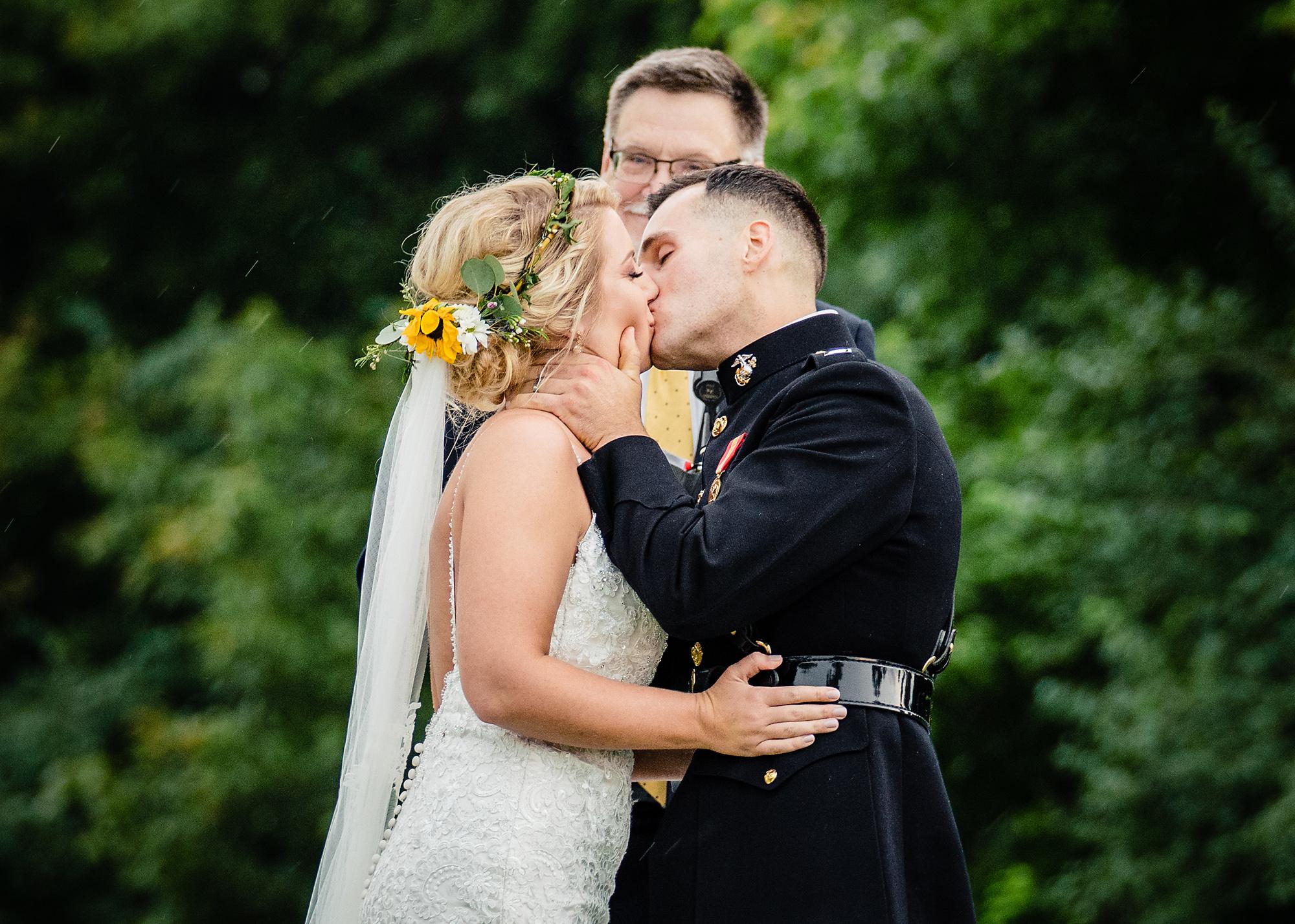 Cincinnati-Wedding-Photographers-Hughes-Center-Barn-33.jpg