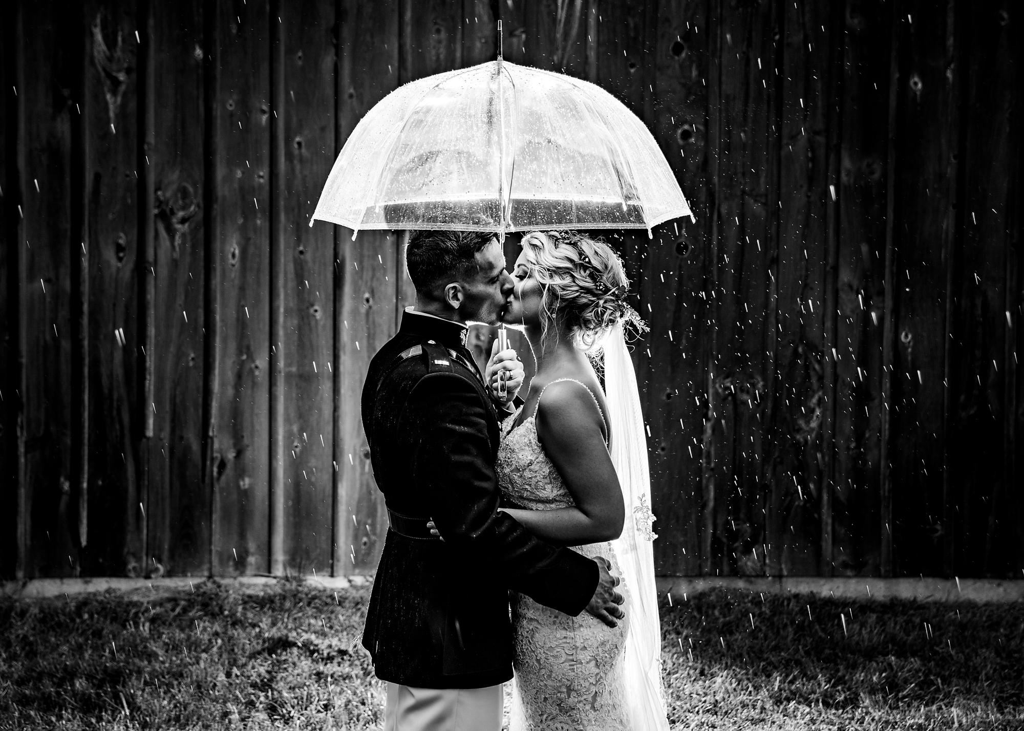 Cincinnati-Wedding-Photographers-Hughes-Center-Barn-34.jpg
