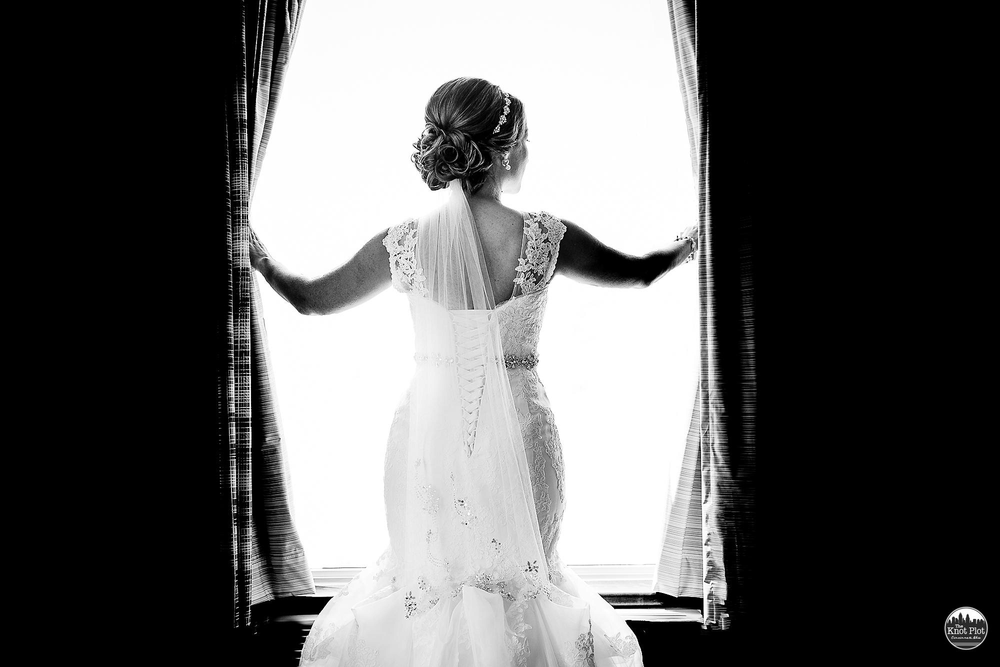 Receptions-Fairfield-Wedding-Photographer-Cincinnati-16.jpg
