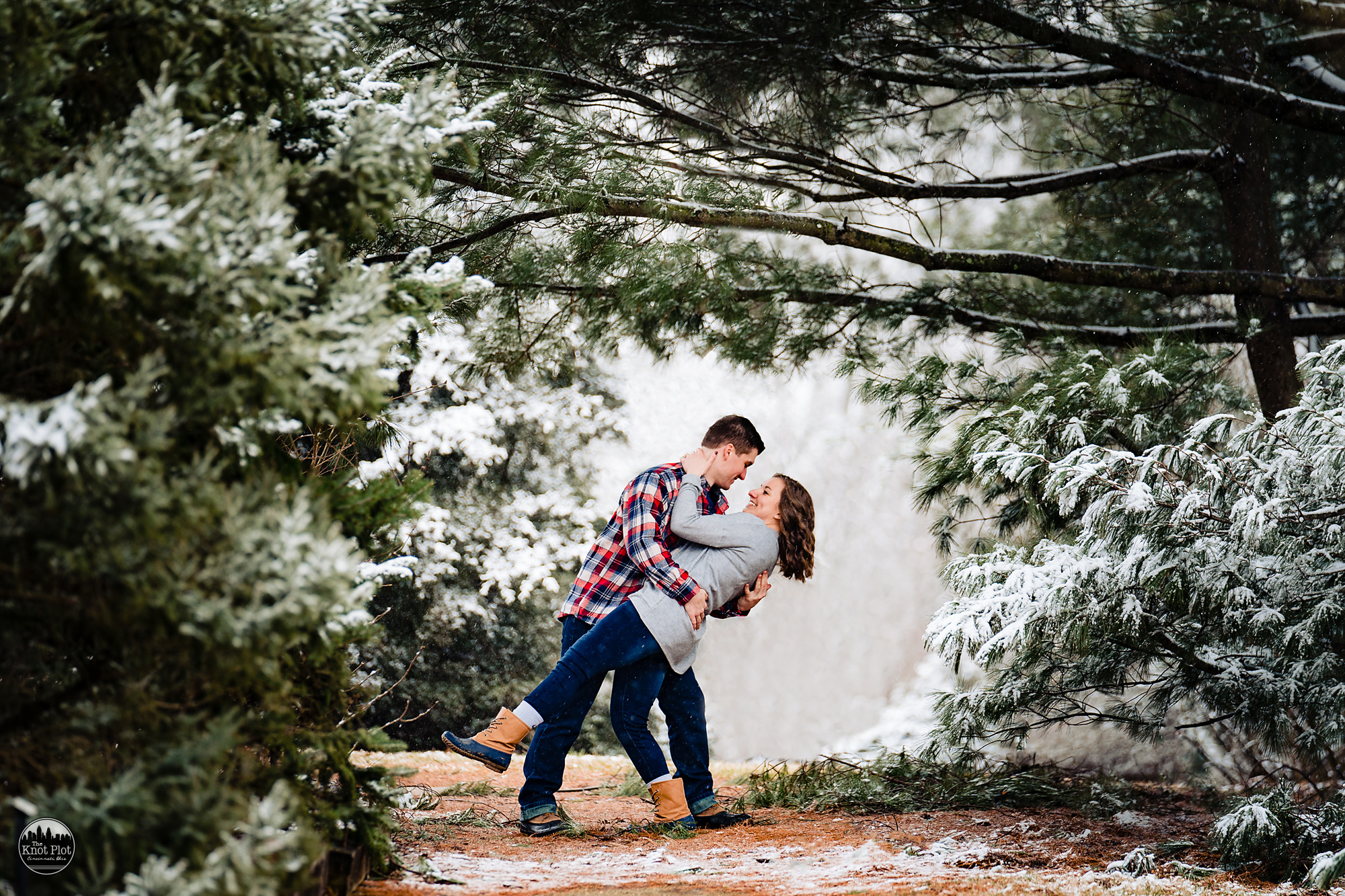 Cincinnati-Winter-Snow-Engagement-Photography-12.jpg