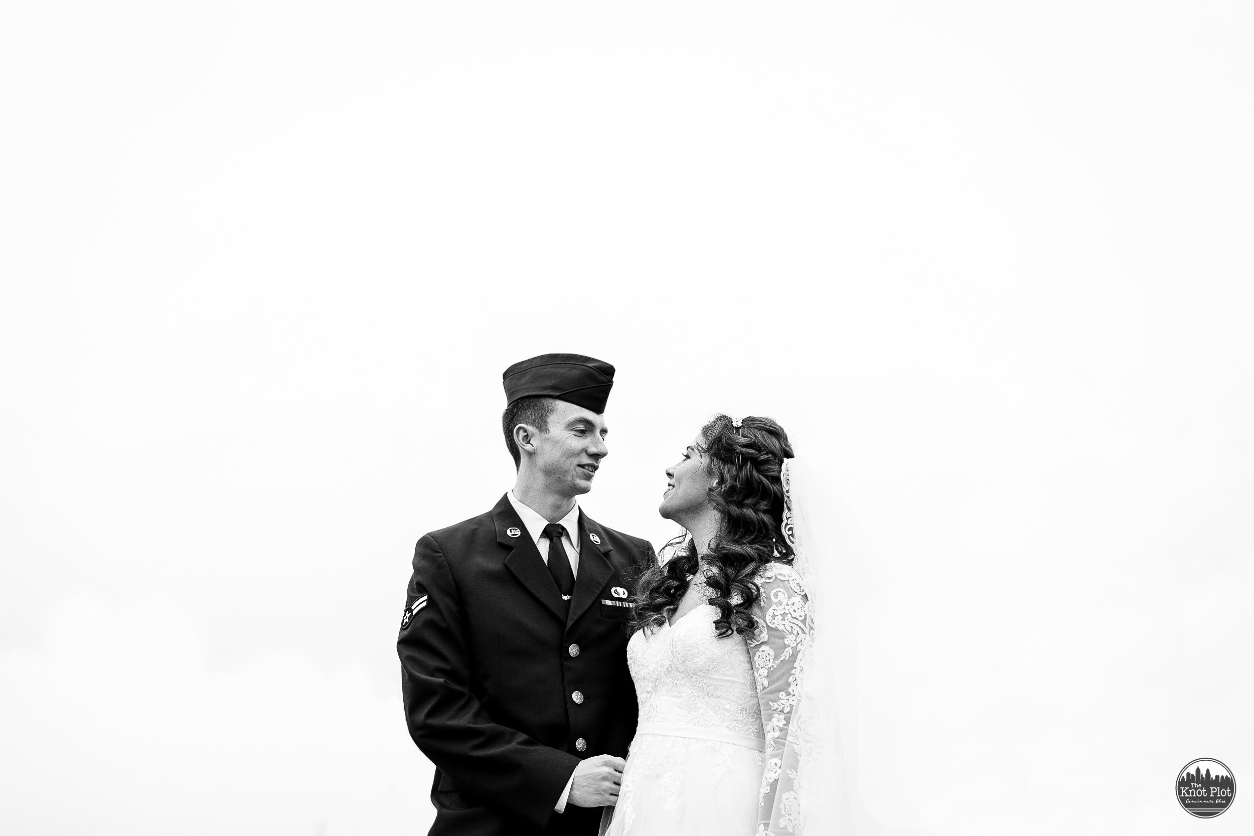 Cincinnati Wedding Photographer - Snyder House Cottell Park 11.jpg